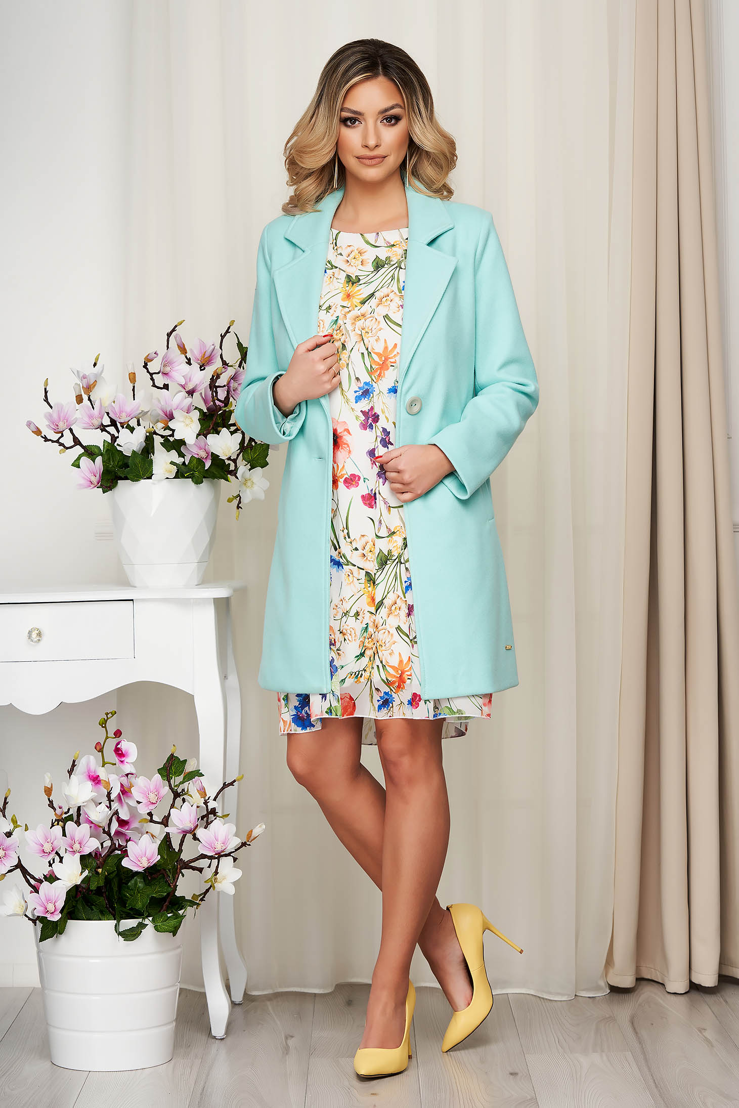 Overcoat turquoise soft fabric straight short cut