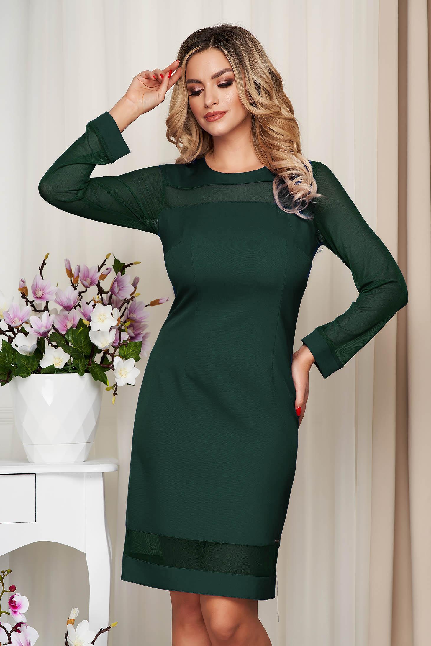 Rochie verde office din stofa neelastica cu un croi drept si insertii din plasa