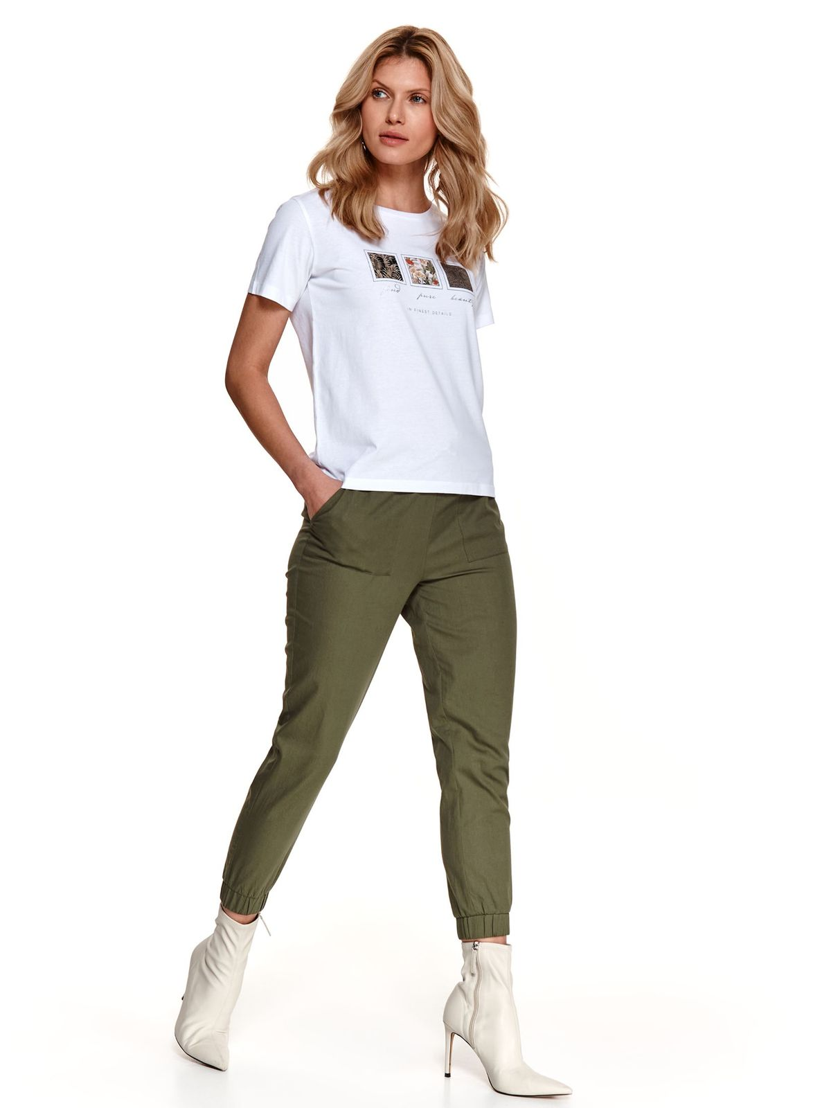 White t-shirt with graphic details loose fit