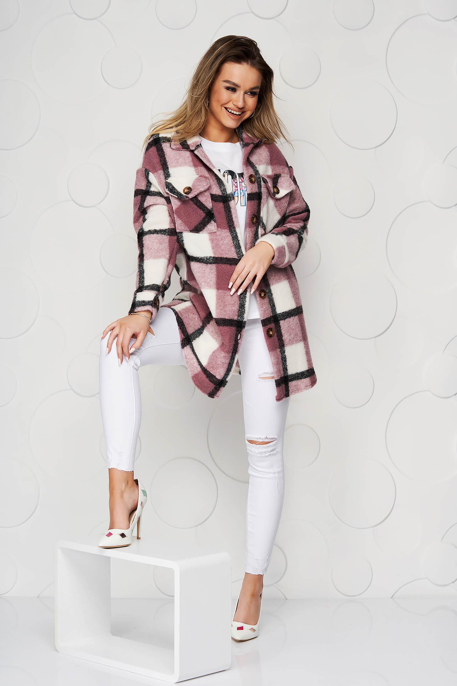 Jacheta tip camasa SunShine roz prafuit din lana cu croi larg cu buzunare in fata