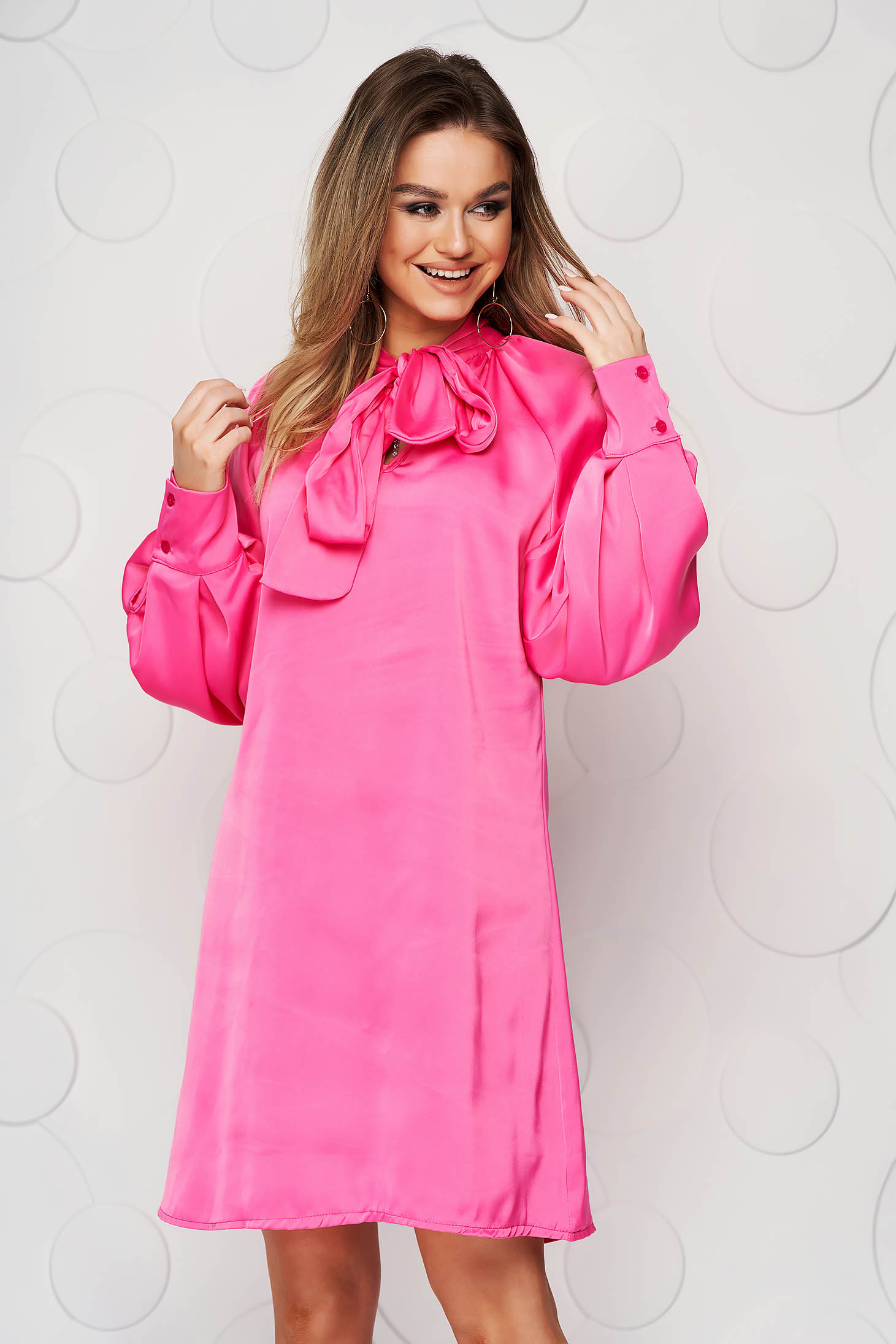 Pink dress from satin with puffed sleeves loose fit bow accessory