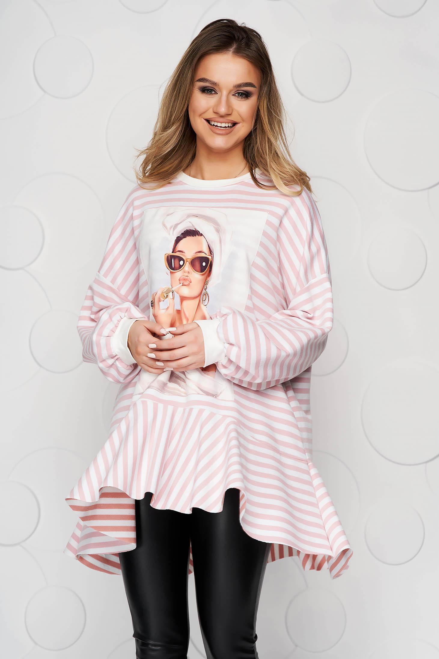 Bluza dama SunShine roz prafuit din material elastic cu croi larg cu dungi si volanase
