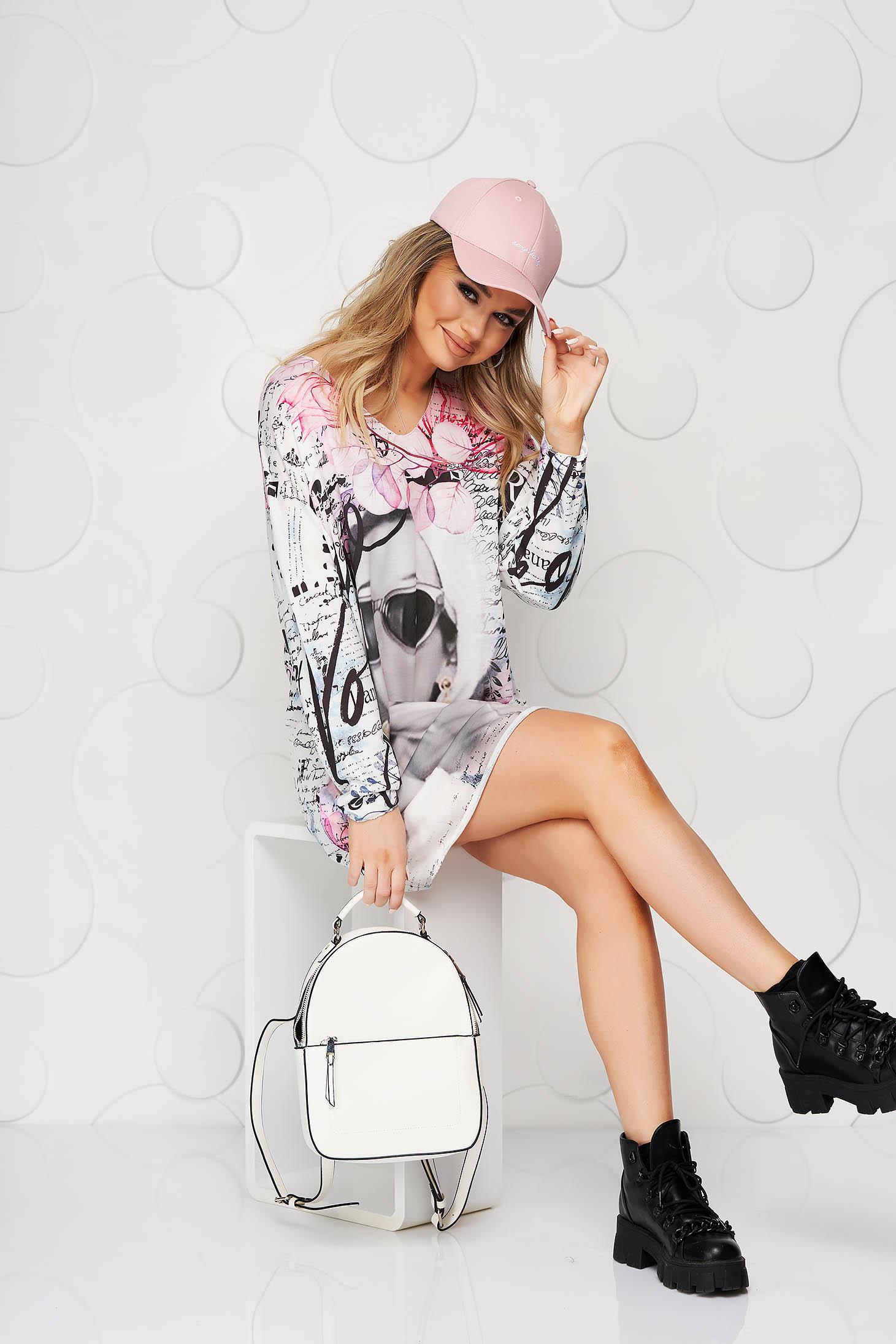 Bluza dama SunShine roz din material elastic din material fin la atingere cu decolteu in v