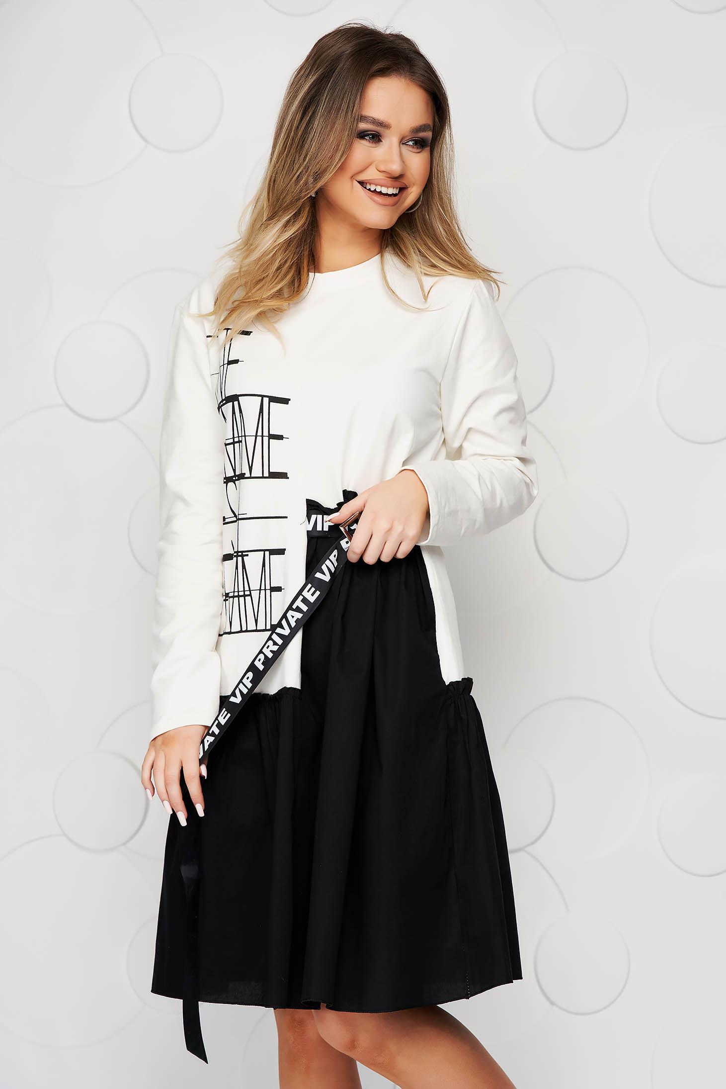 Fehér ruha rugalmas pamut fodros bő szabású grafikai díszítéssel