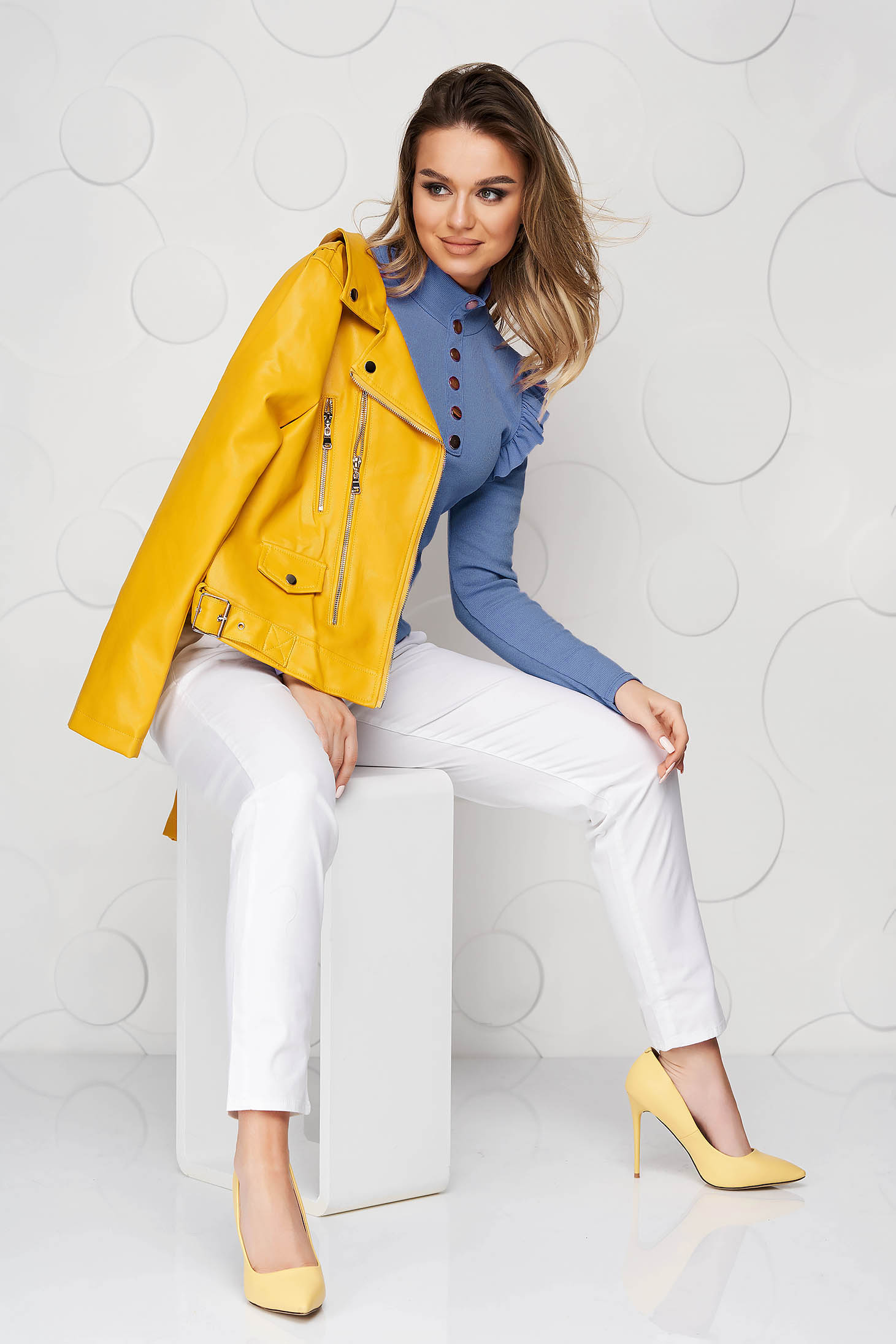Bluza dama SunShine albastra mulata din material elastic fin si reiat cu volanase