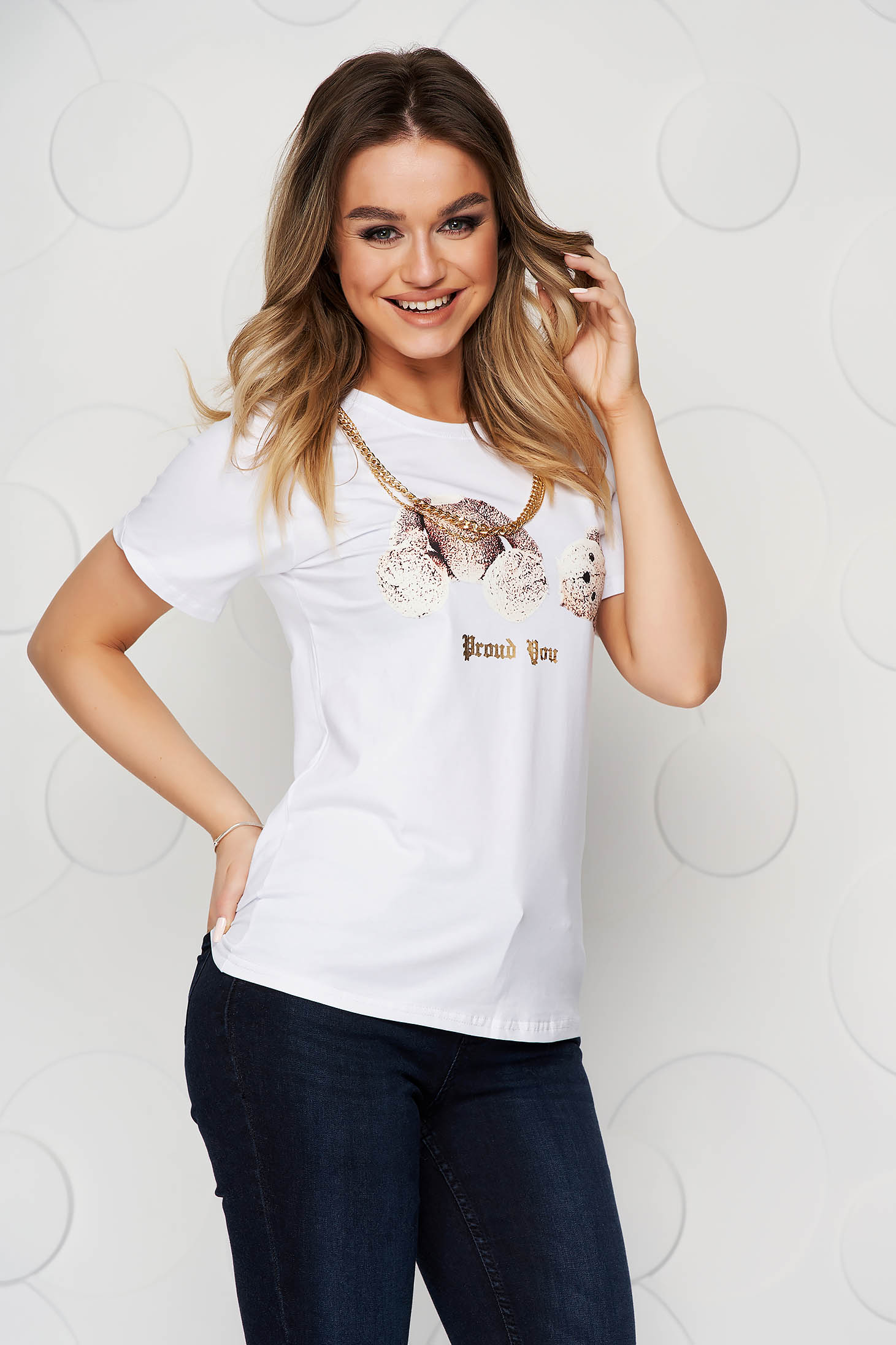 White t-shirt with graphic details elastic cotton metallic chain accessory loose fit