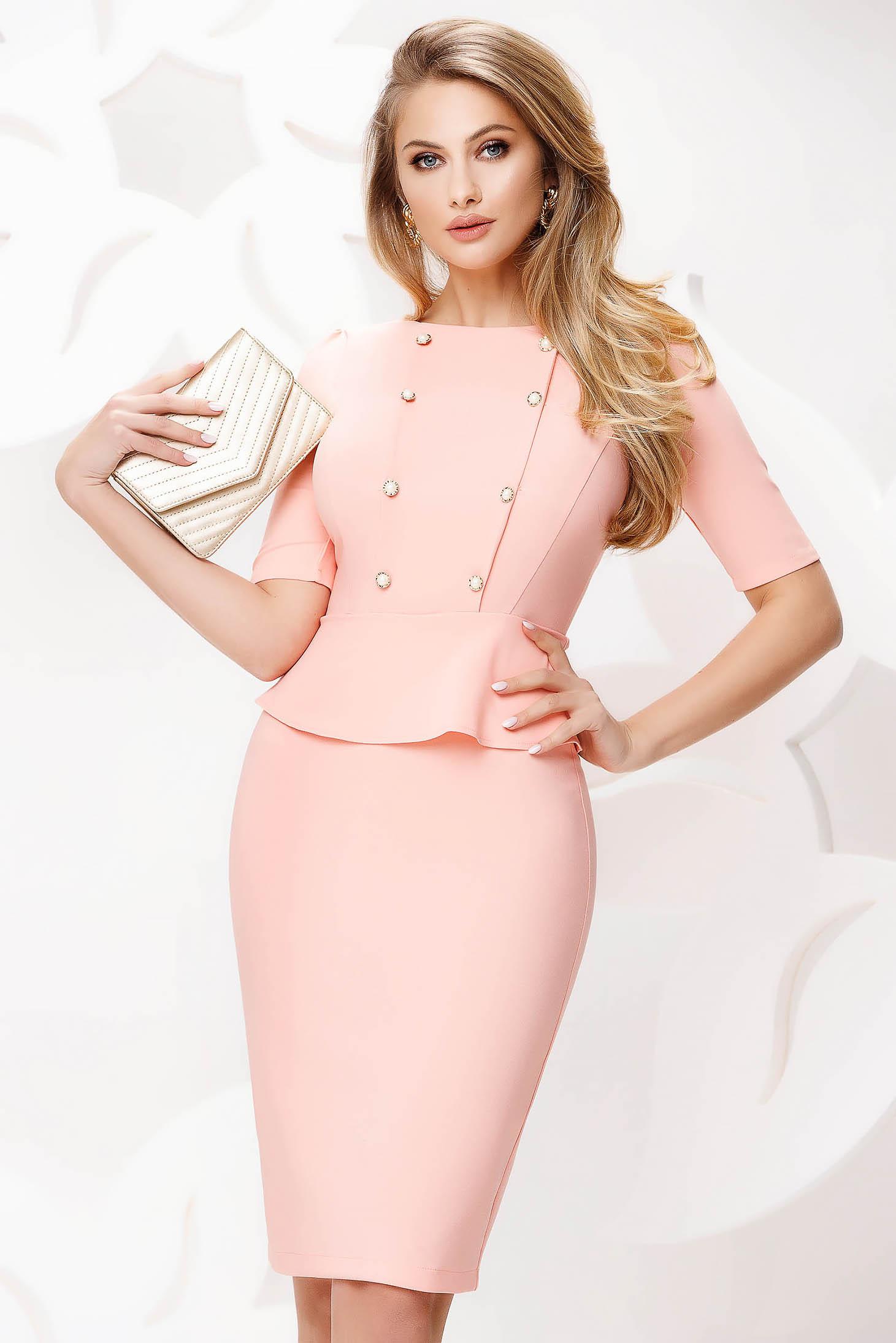 Rochie Fofy roz deschis office midi tip creion cu peplum accesorizata cu nasturi