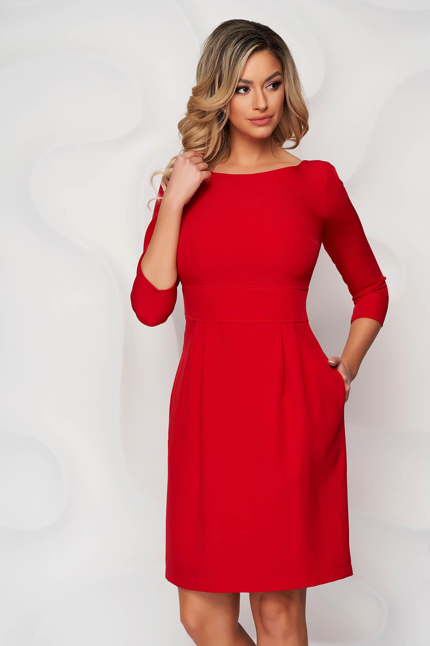 Rochie StarShinerS rosie scurta din stofa usor elastica cu croi in a si buzunare