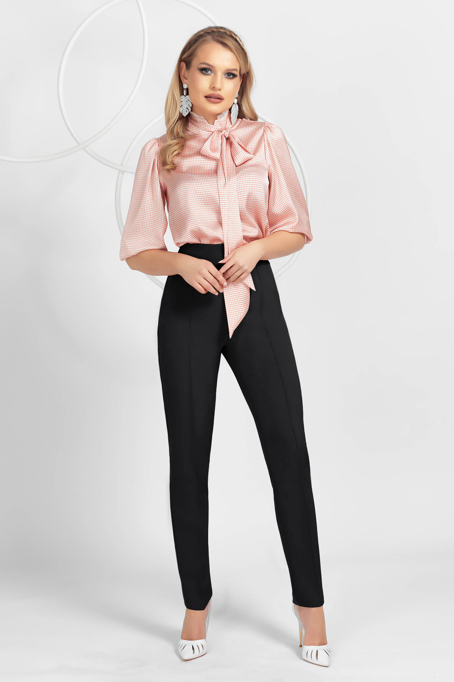 Pantaloni PrettyGirl negri office conici din material usor elastic cu nervura pe mijloc