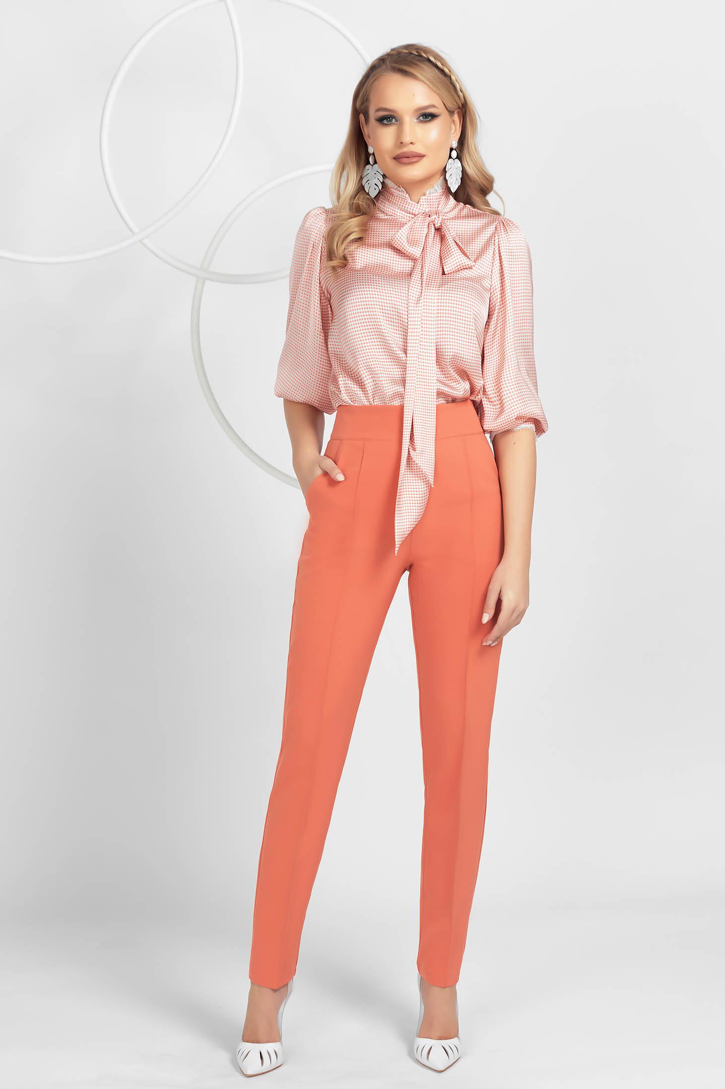 Pantaloni PrettyGirl corai office conici din material usor elastic cu nervura pe mijloc
