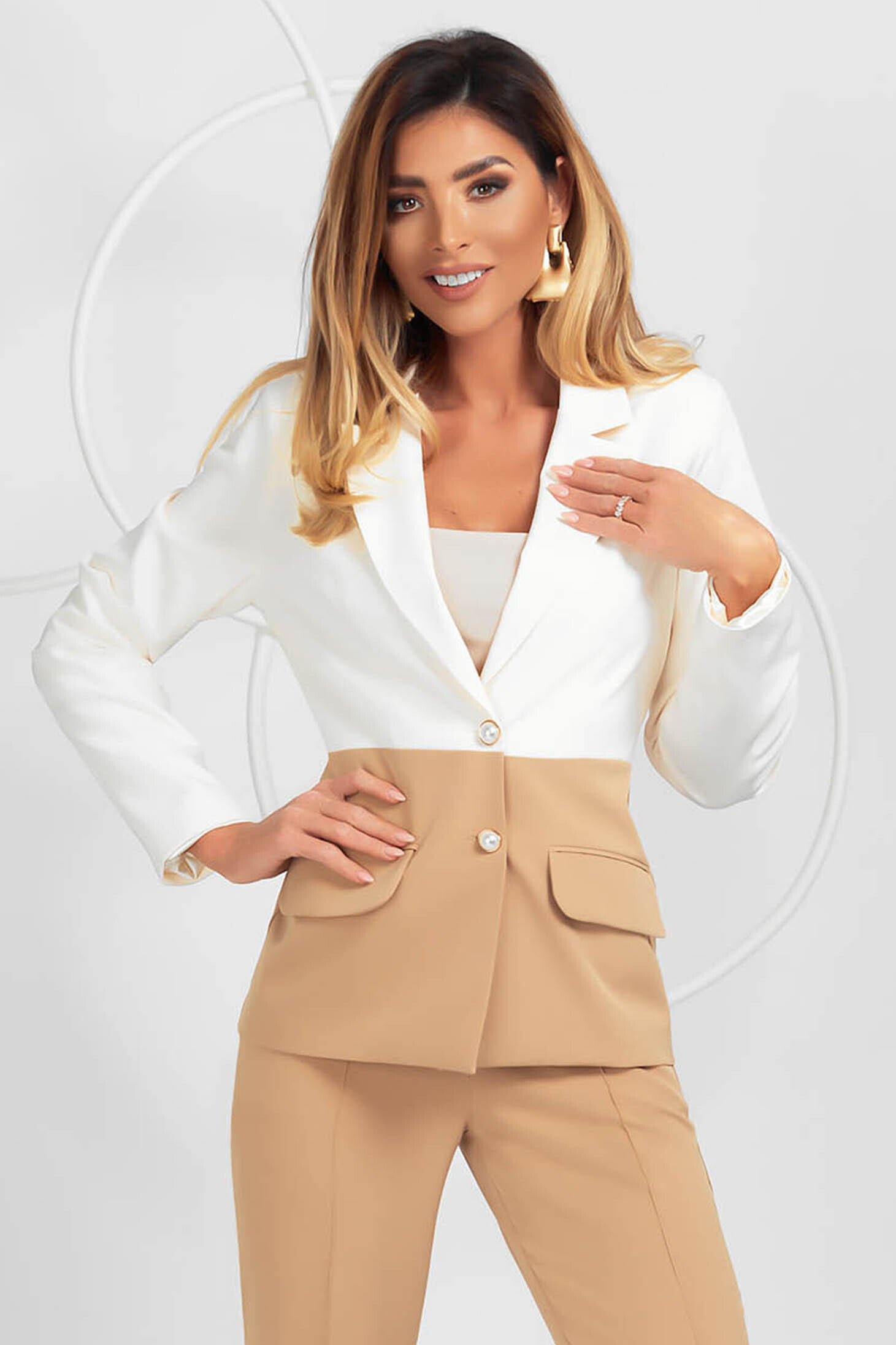 Jacket cream office slightly elastic fabric with padded shoulders tented