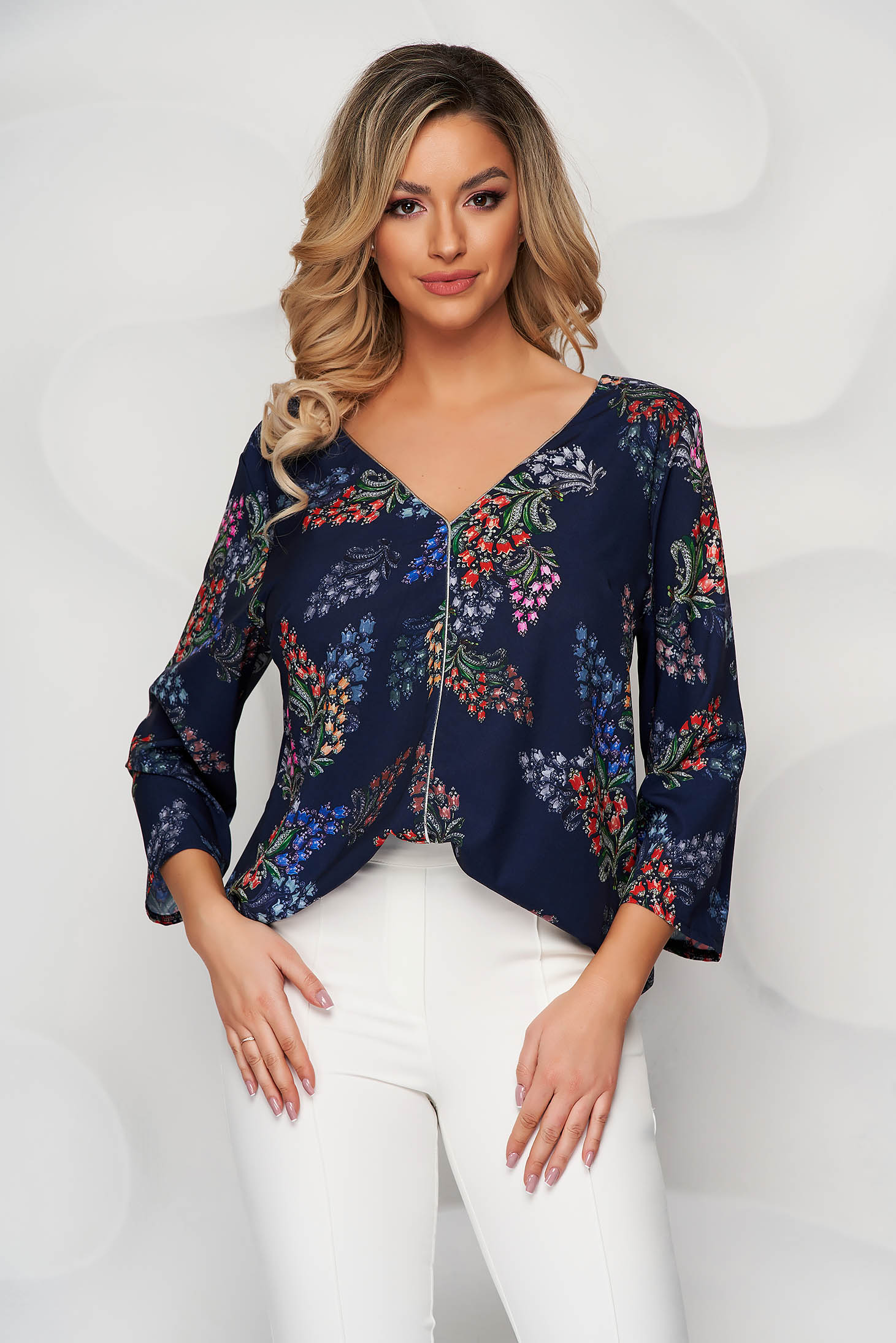 StarShinerS silver women`s blouse with floral print v back neckline airy fabric