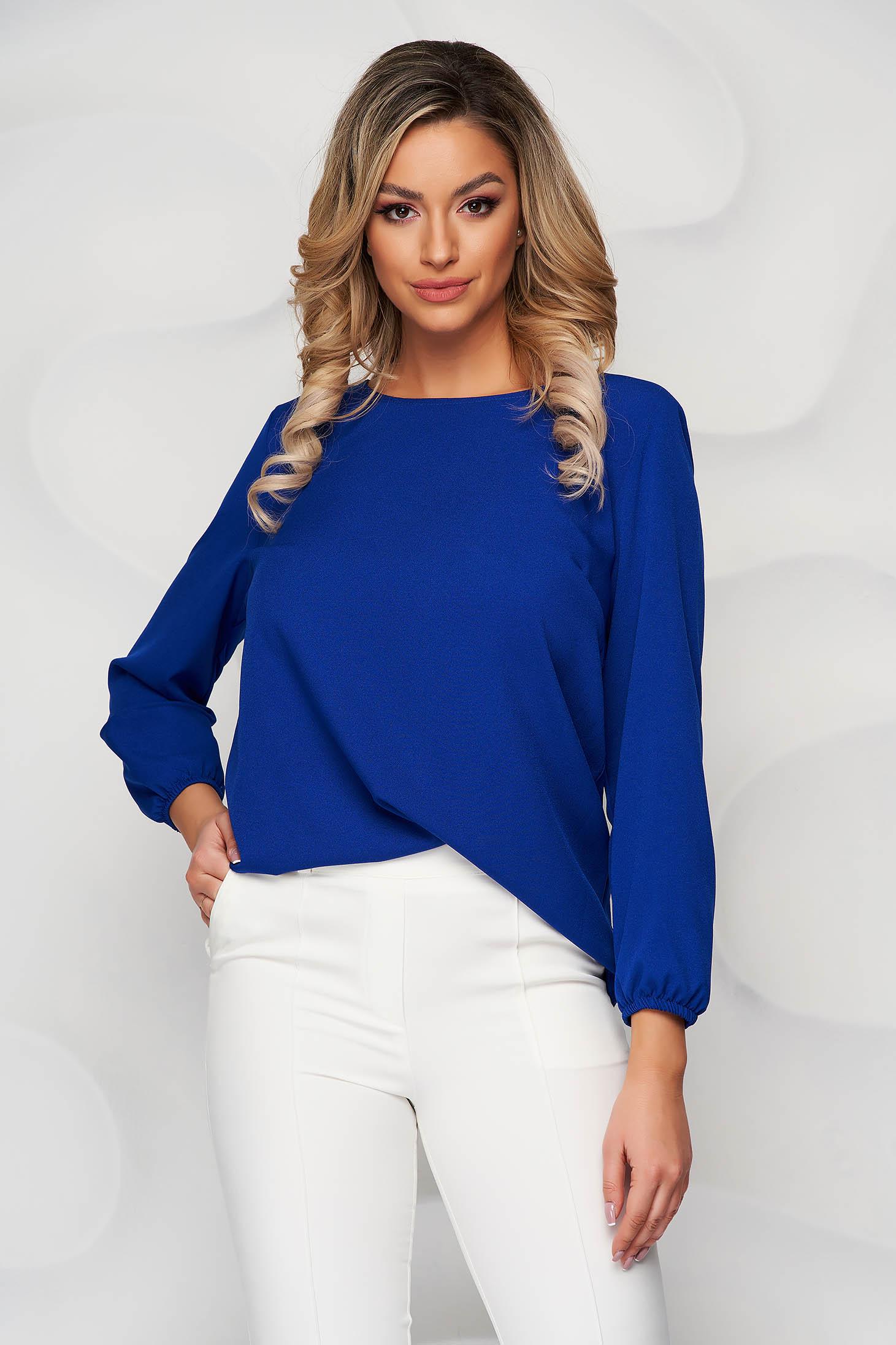 Bluza StarShinerS albastra cu croi larg cu decolteu rotunjit din material elastic