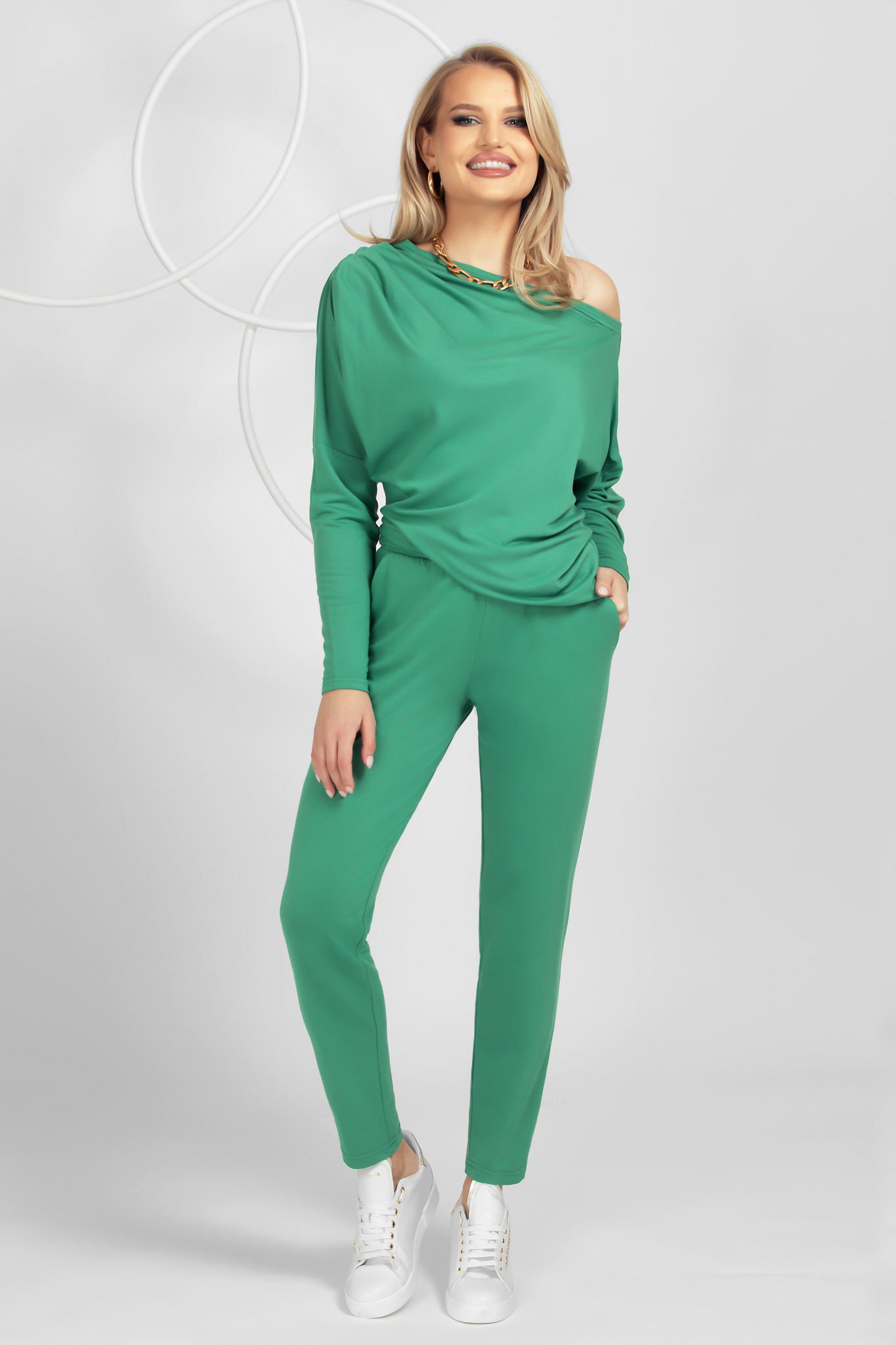 Lightgreen loose fit from soft fabric sport 2 pieces from elastic and fine fabric