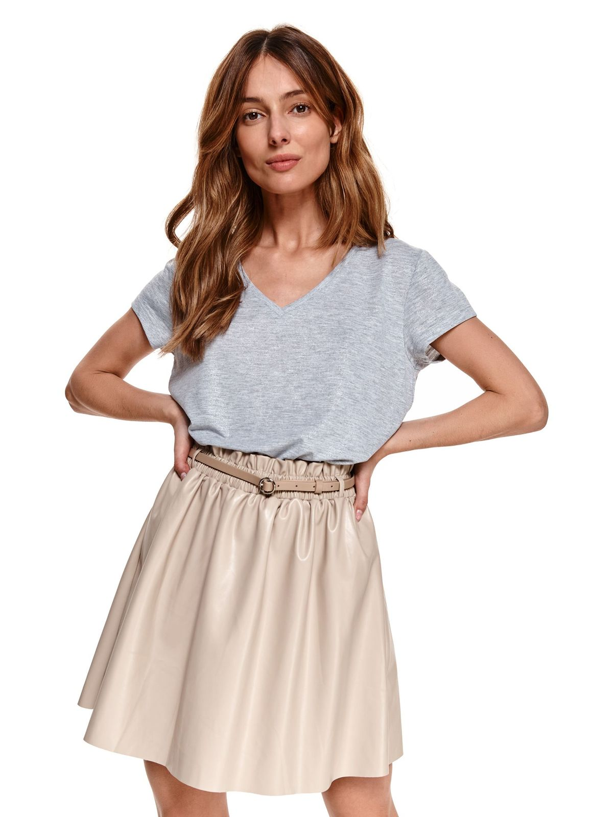 With v-neckline loose fit from elastic fabric grey t-shirt