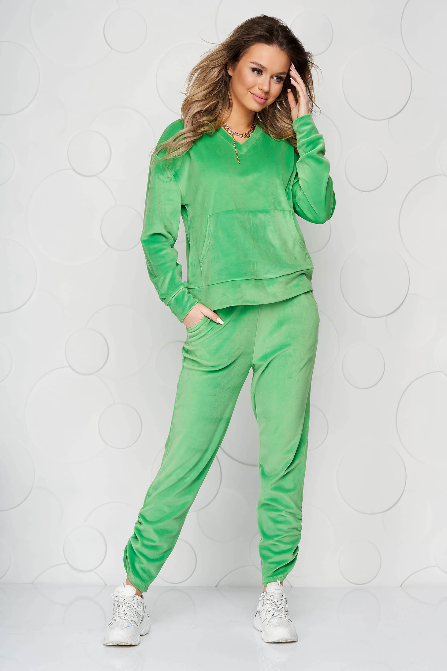 Lightgreen sport 2 pieces velvet loose fit with front pockets