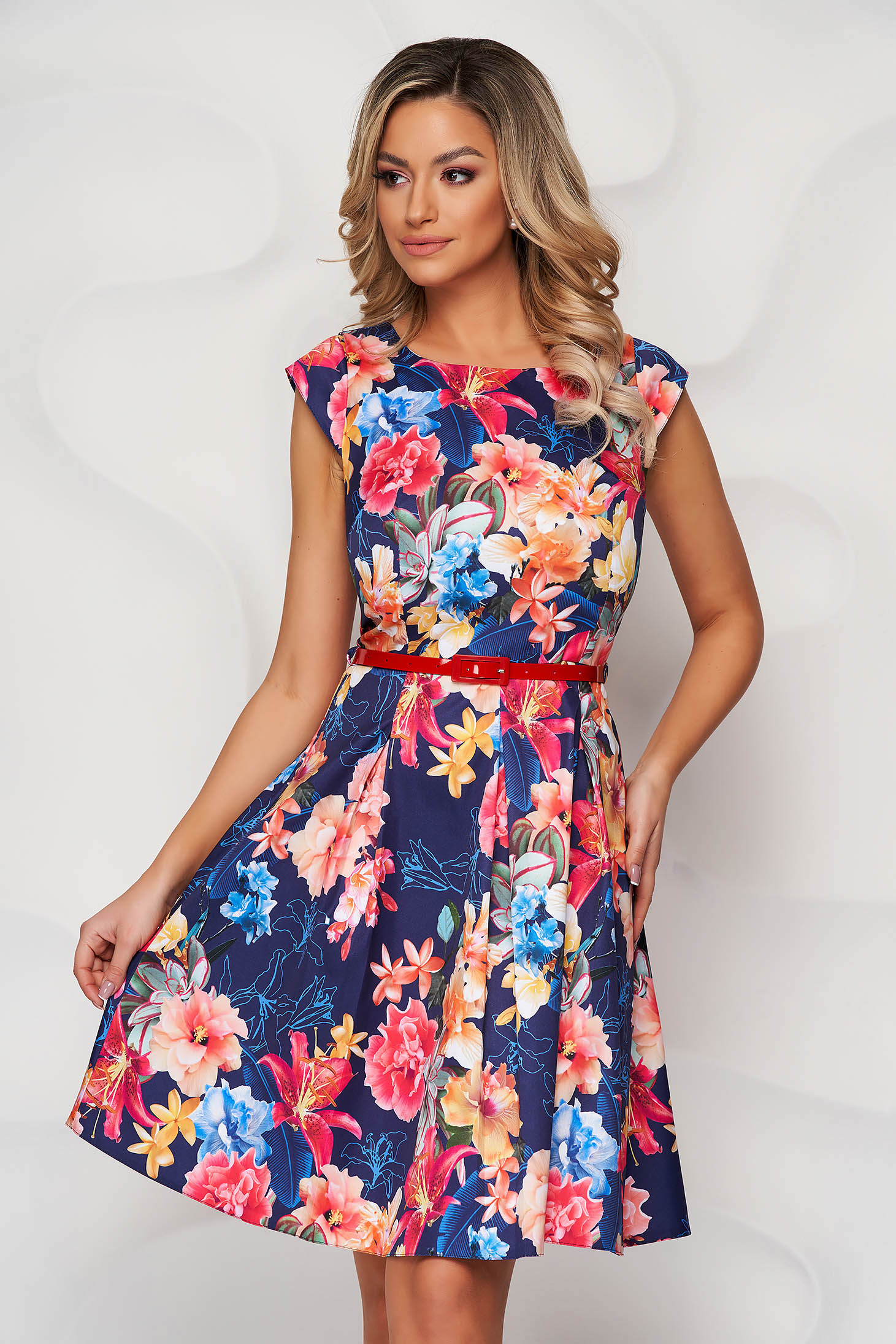 Darkblue dress with floral print cloche accessorized with belt slightly elastic fabric
