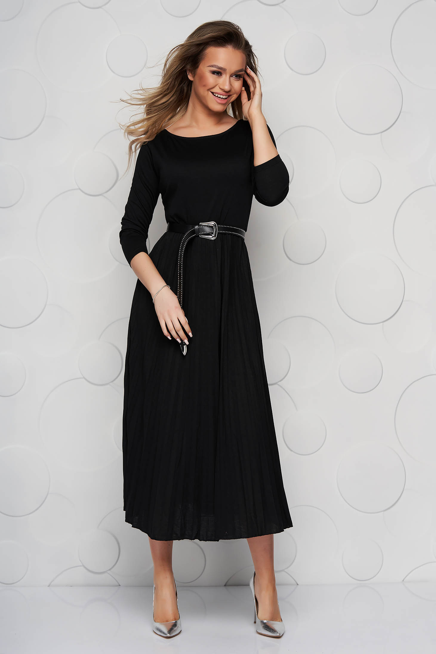 Black dress midi cloche folded up with 3/4 sleeves