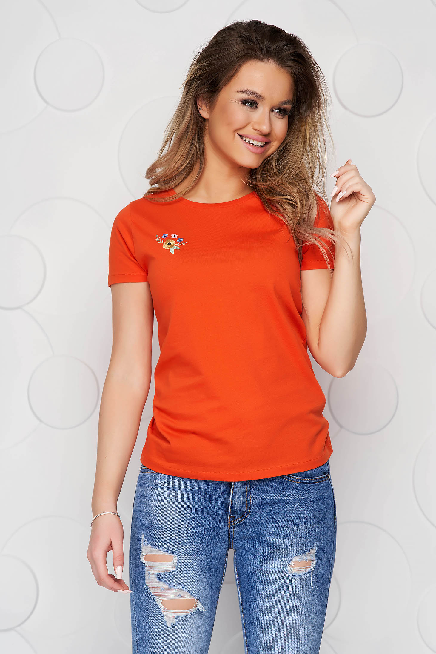 Tricou StarShinerS portocaliu din bumbac organic cu croi larg si broderie florala unica