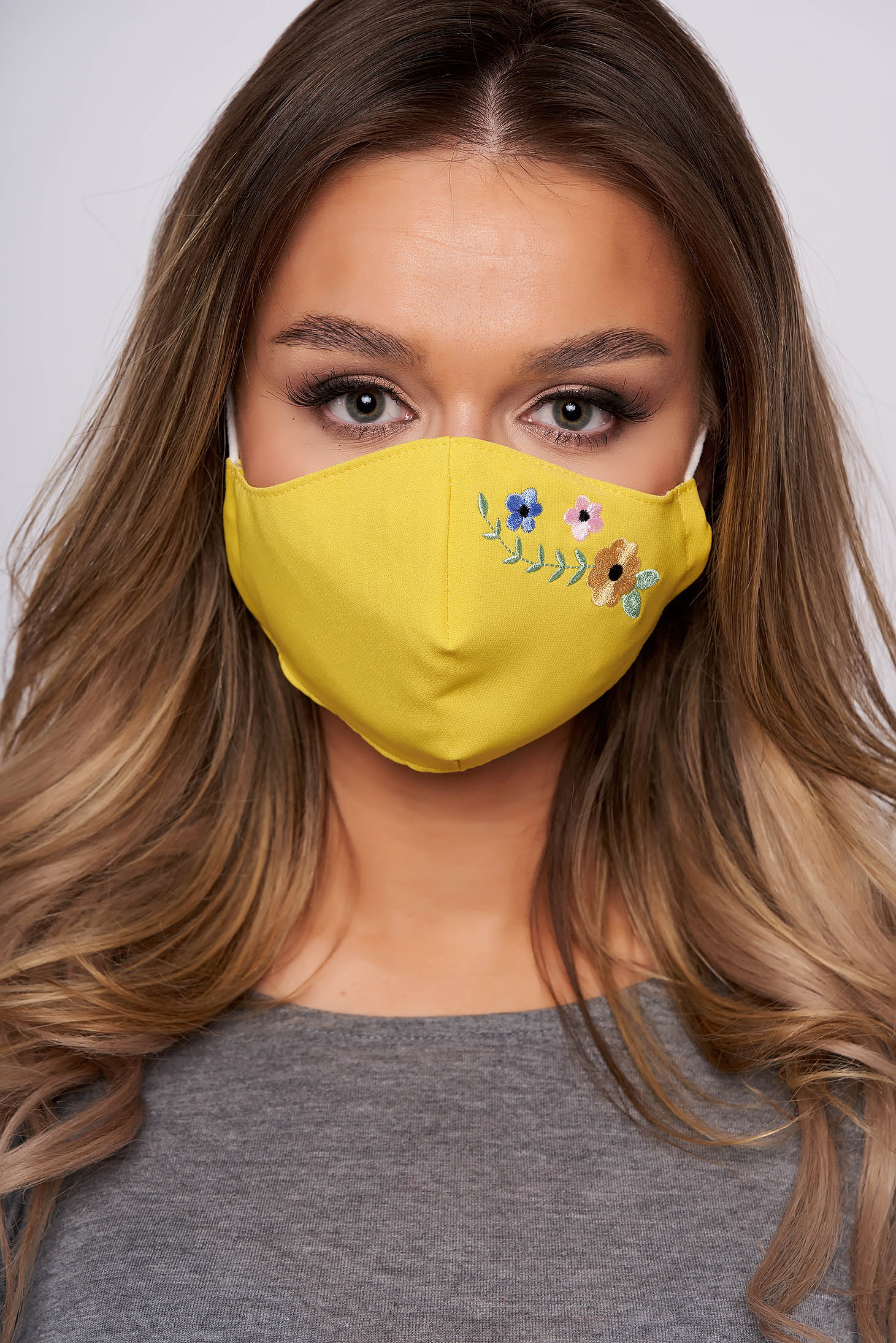 StarShinerS yellow face masks