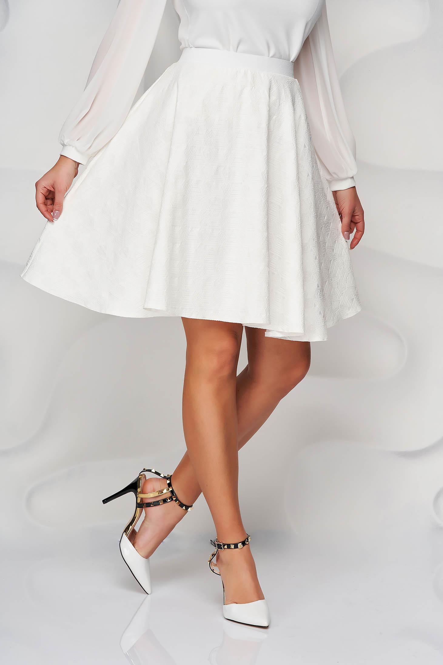 StarShinerS ivory skirt cloche with elastic waist