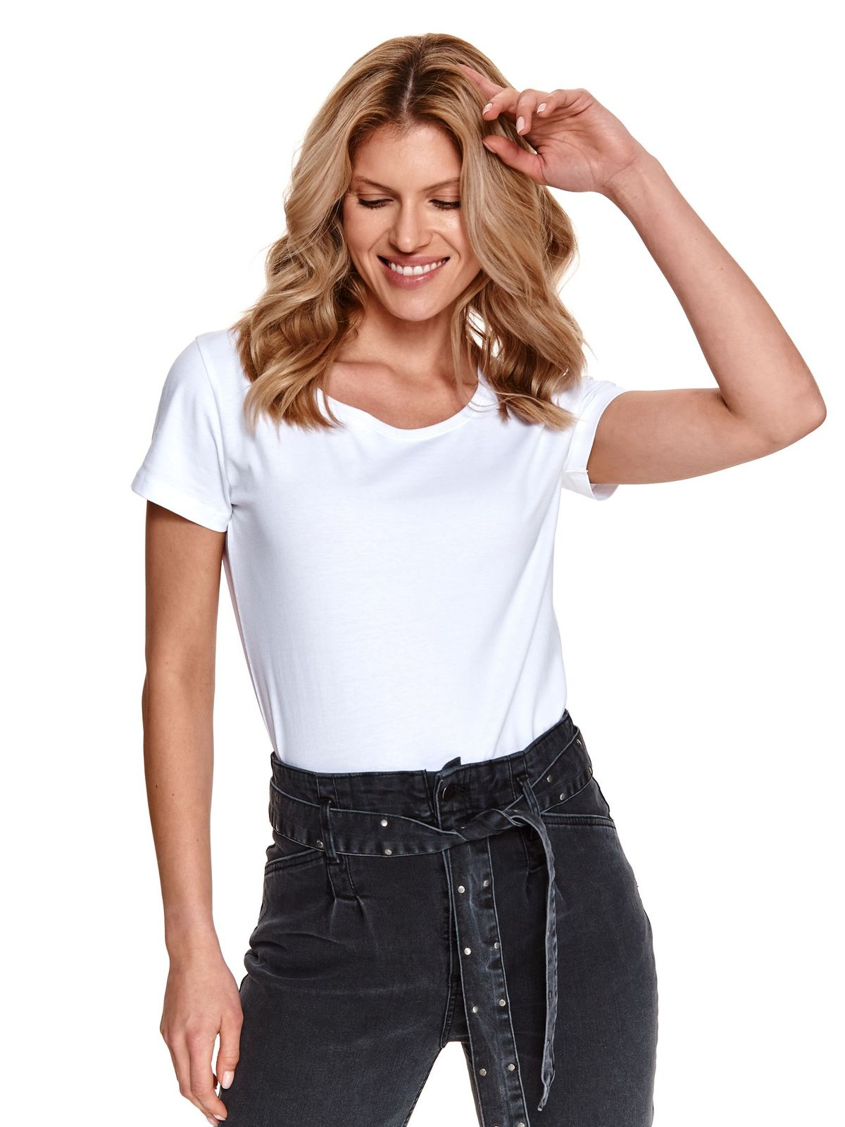 White t-shirt basic cotton with rounded cleavage