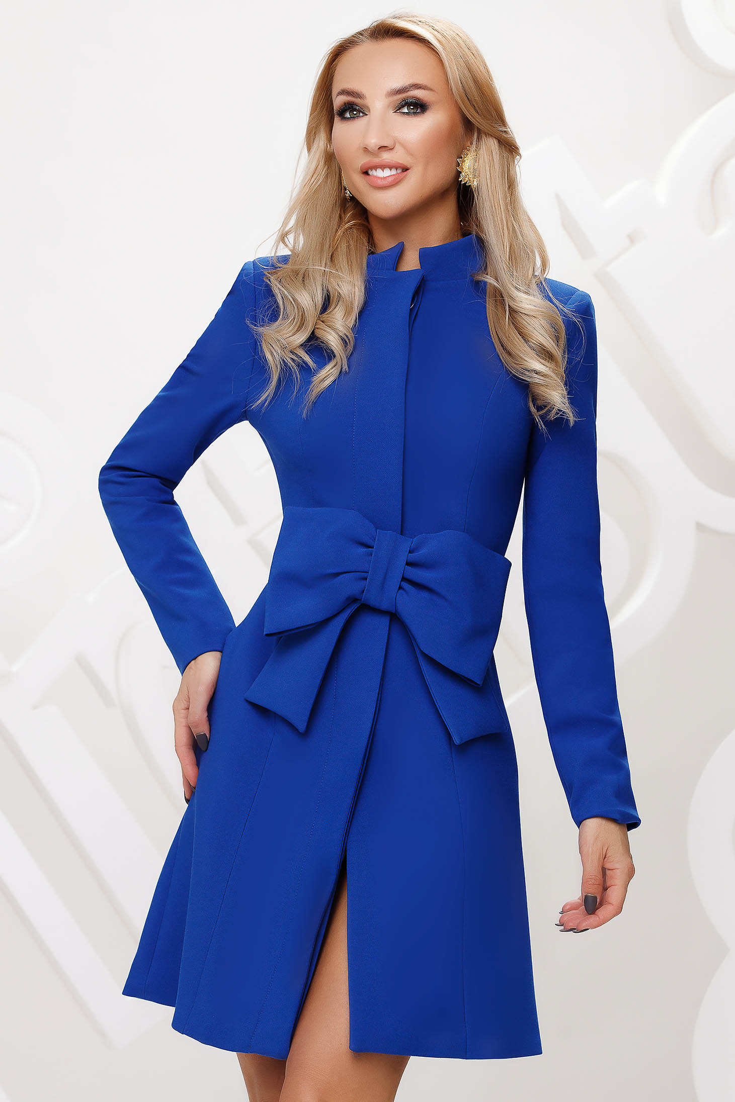 Blue trenchcoat tented short cut elegant accessorized with tied waistband bow accessory