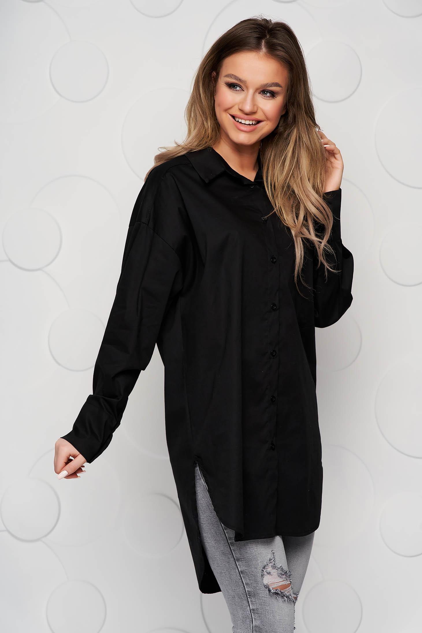 Fekete női ing bő szabású aszimetrikus oldalt felsliccelt vékony szövetből