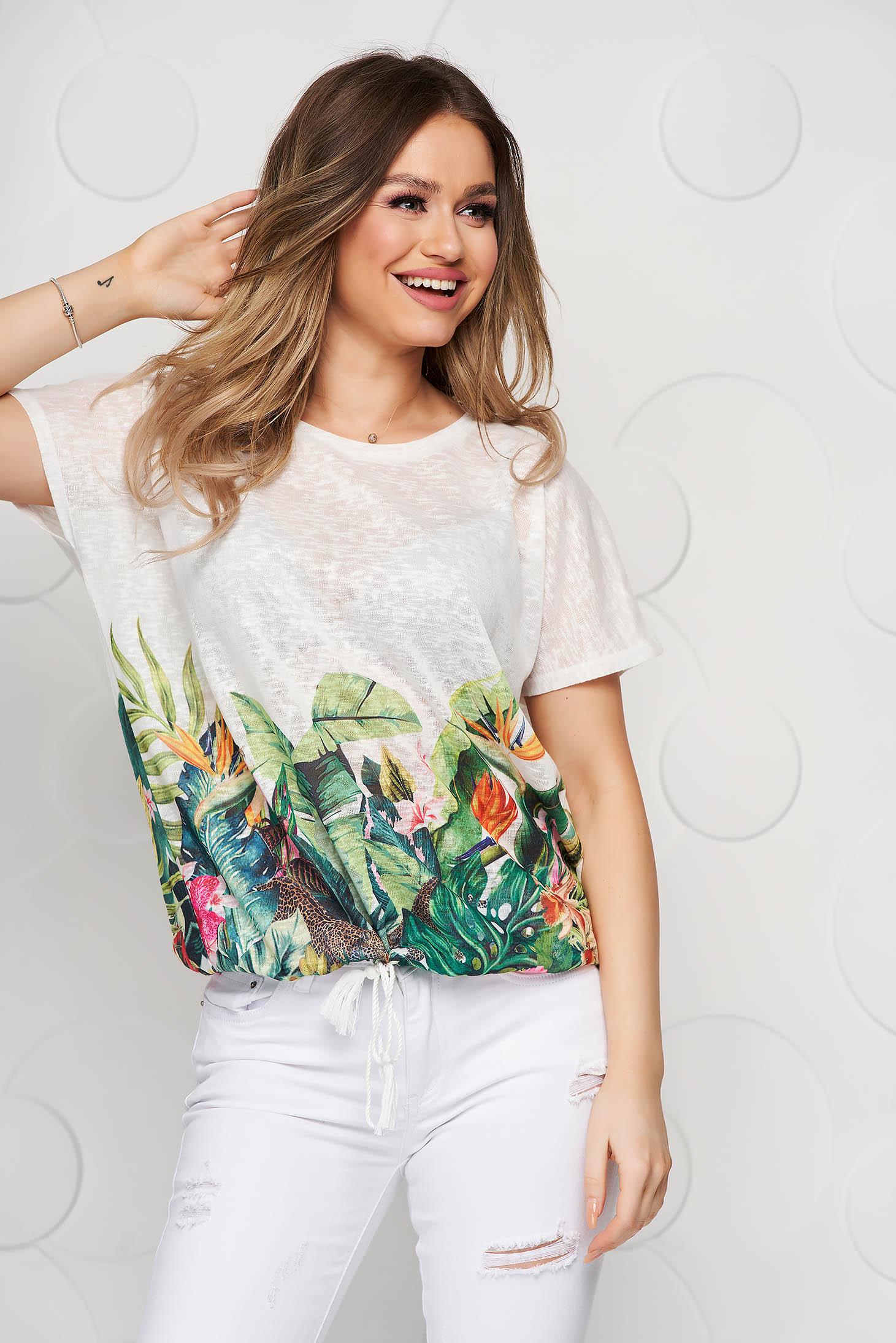 Tricou Top Secret alb cu imprimeu floral din material usor transparent cu croi larg