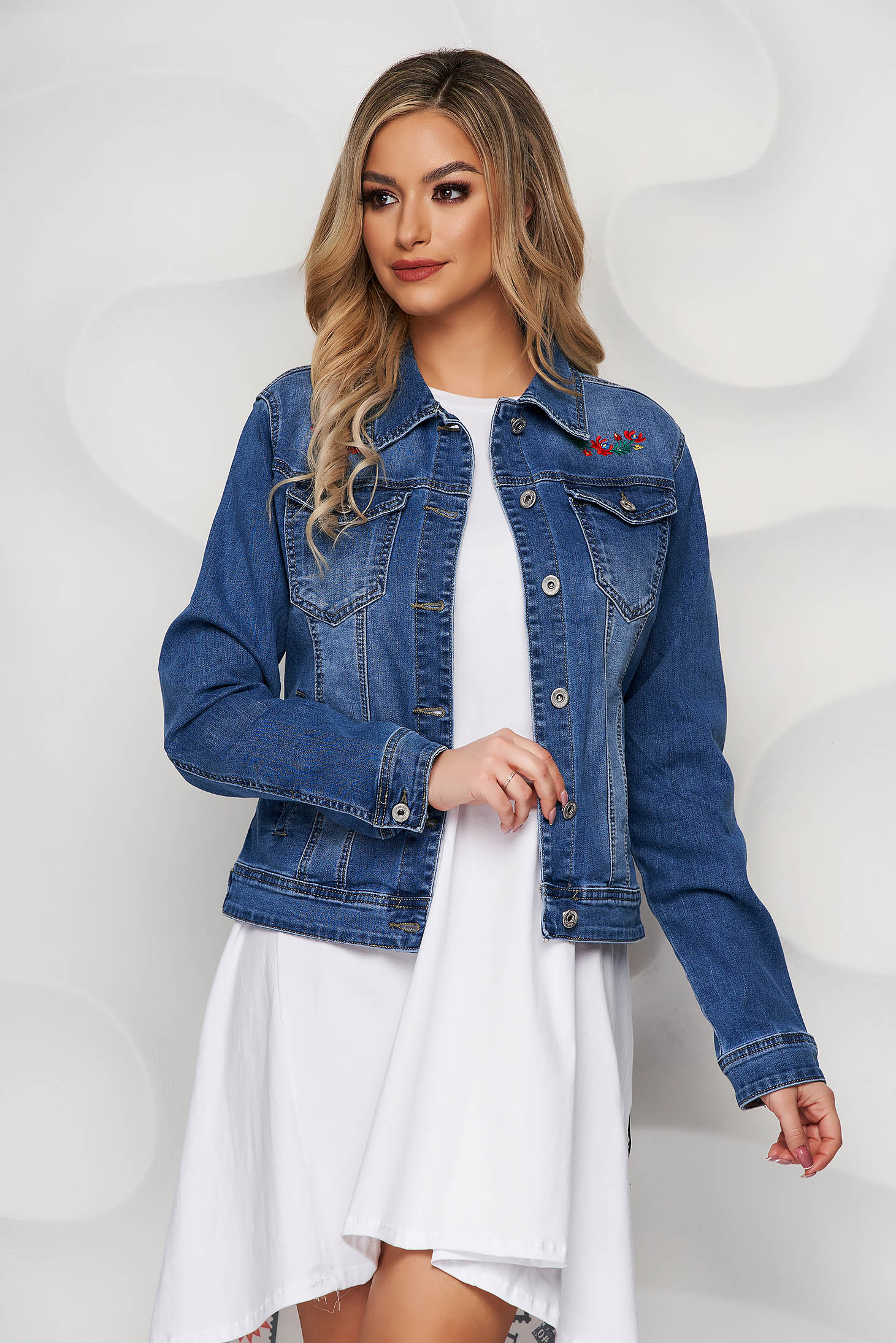 Blue jacket denim tented with pockets embroidered