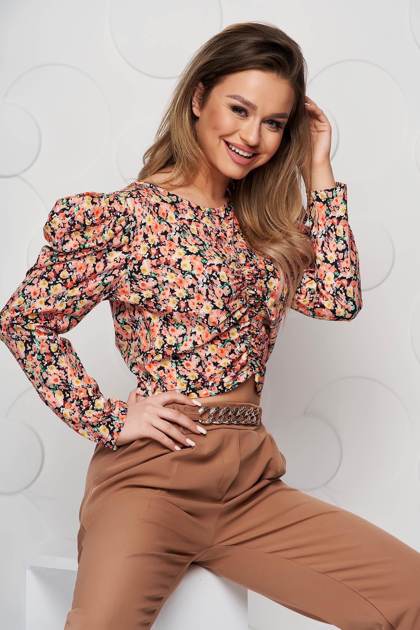 Bluza dama SunShine cu imprimeu floral mulata cu material incretit si umeri cu volum