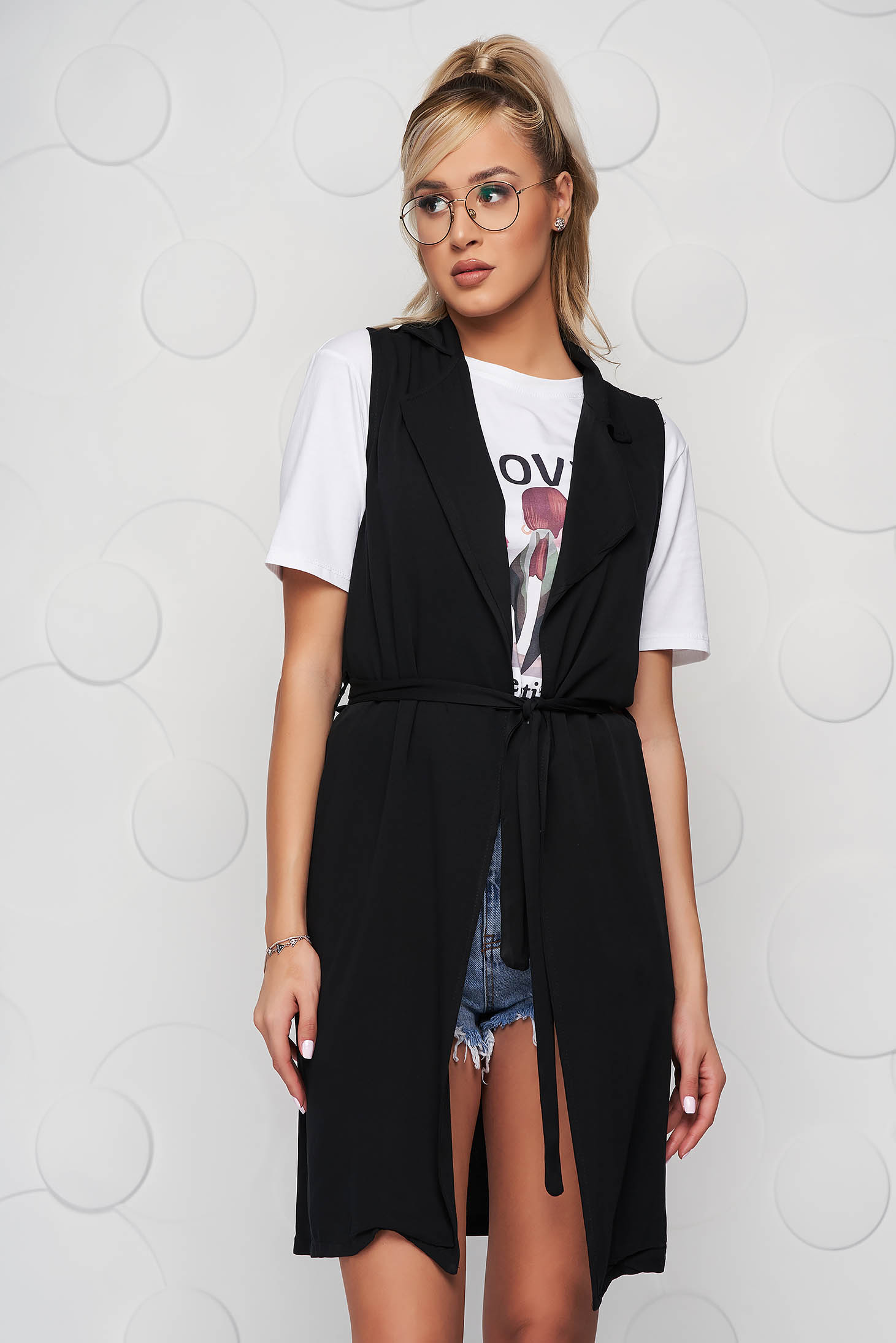 Black gilet casual nonelastic fabric accessorized with tied waistband