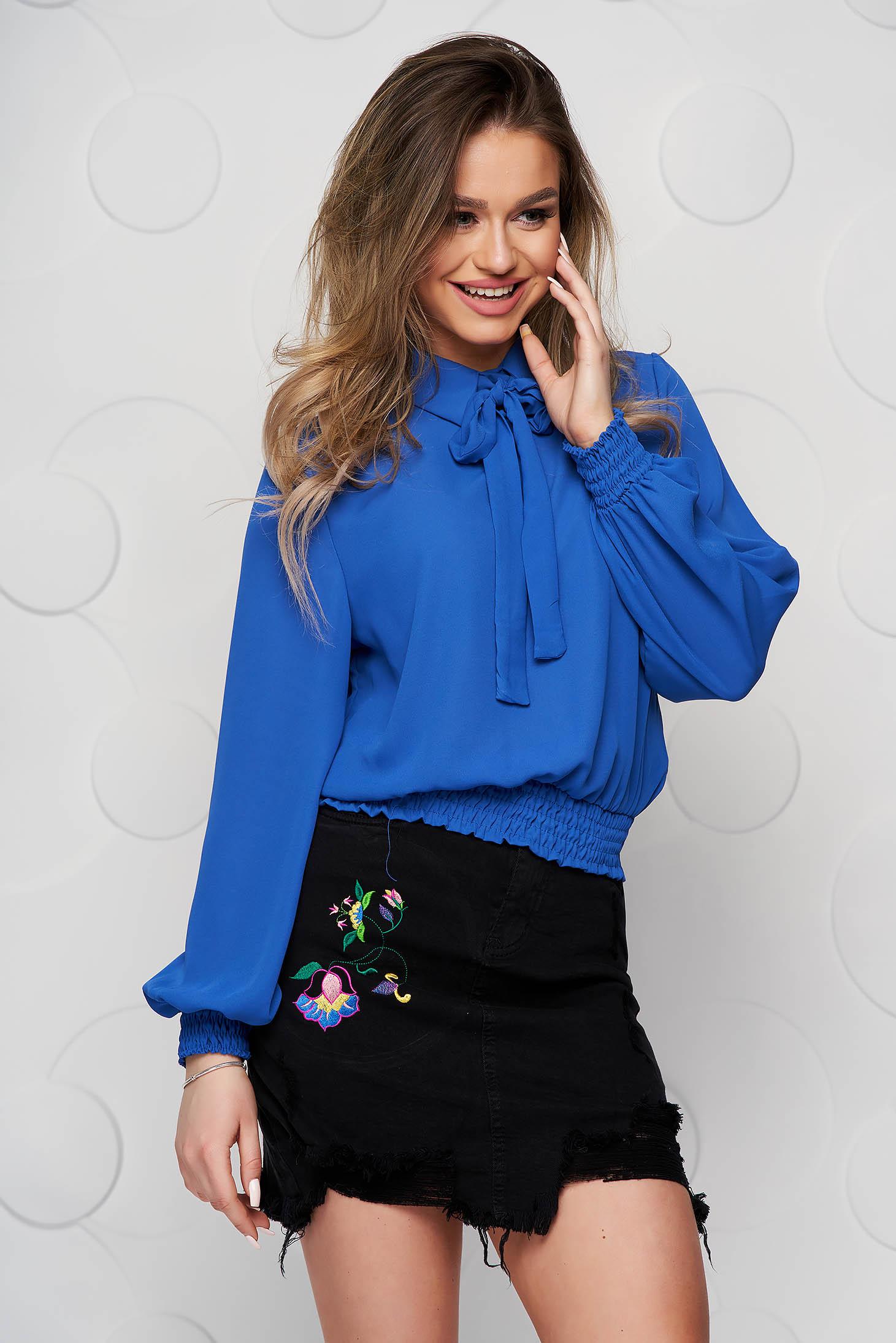 Bluza dama SunShine albastra din voal cu elastic in talie si guler tip esarfa