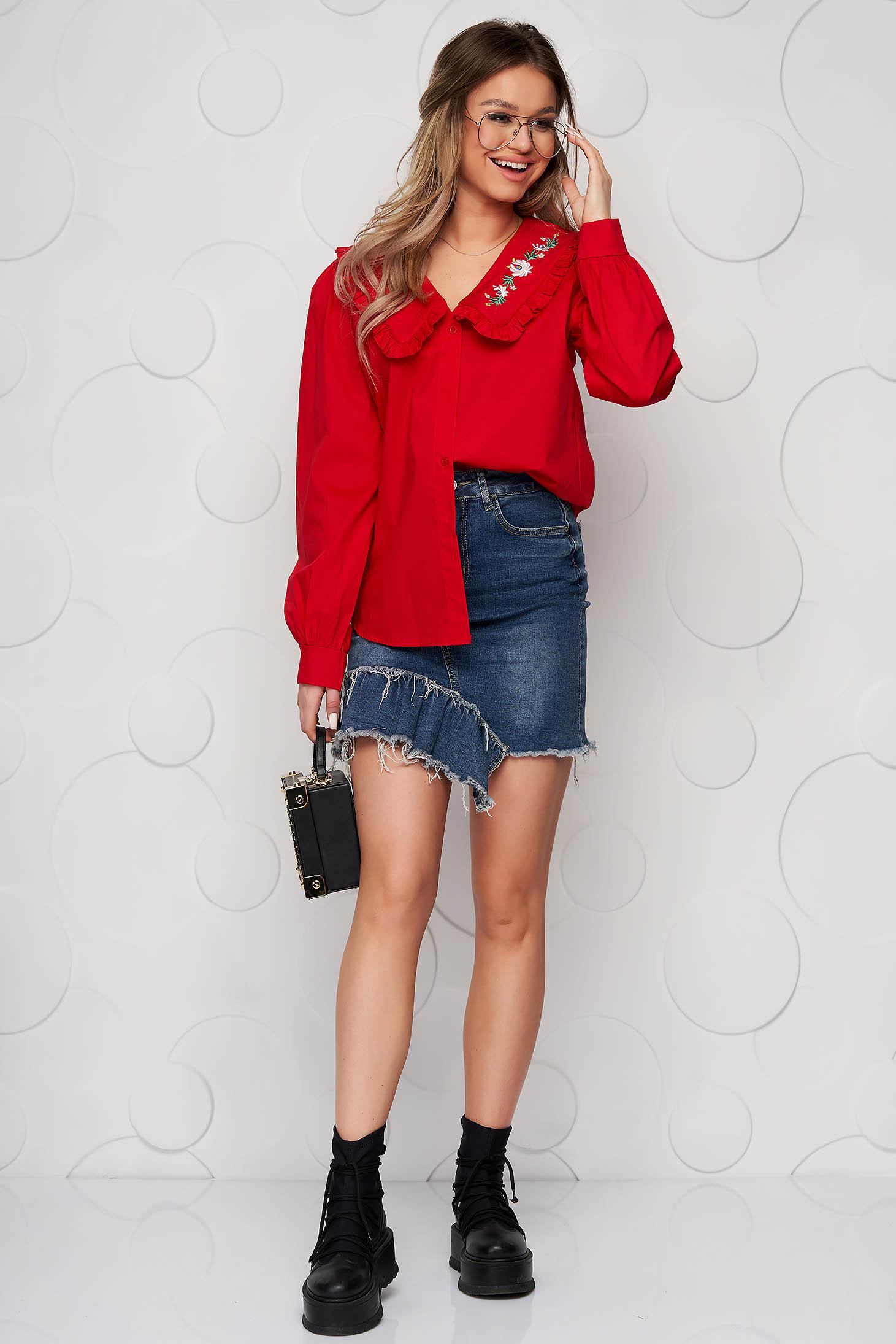 Bő szabású pamutból készült piros hímzett női ing fodros gallér