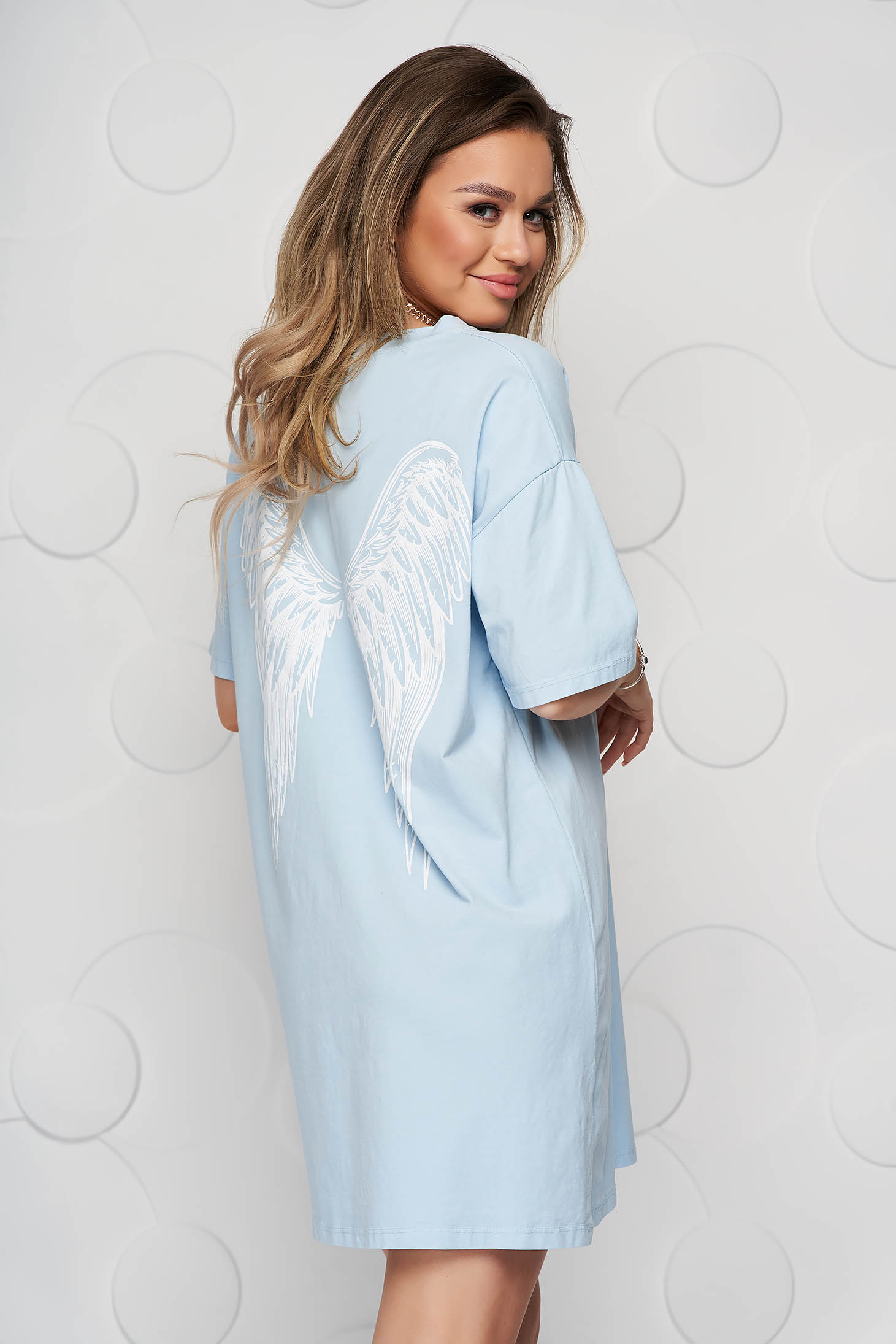 Lightblue t-shirt cotton loose fit with graphic details