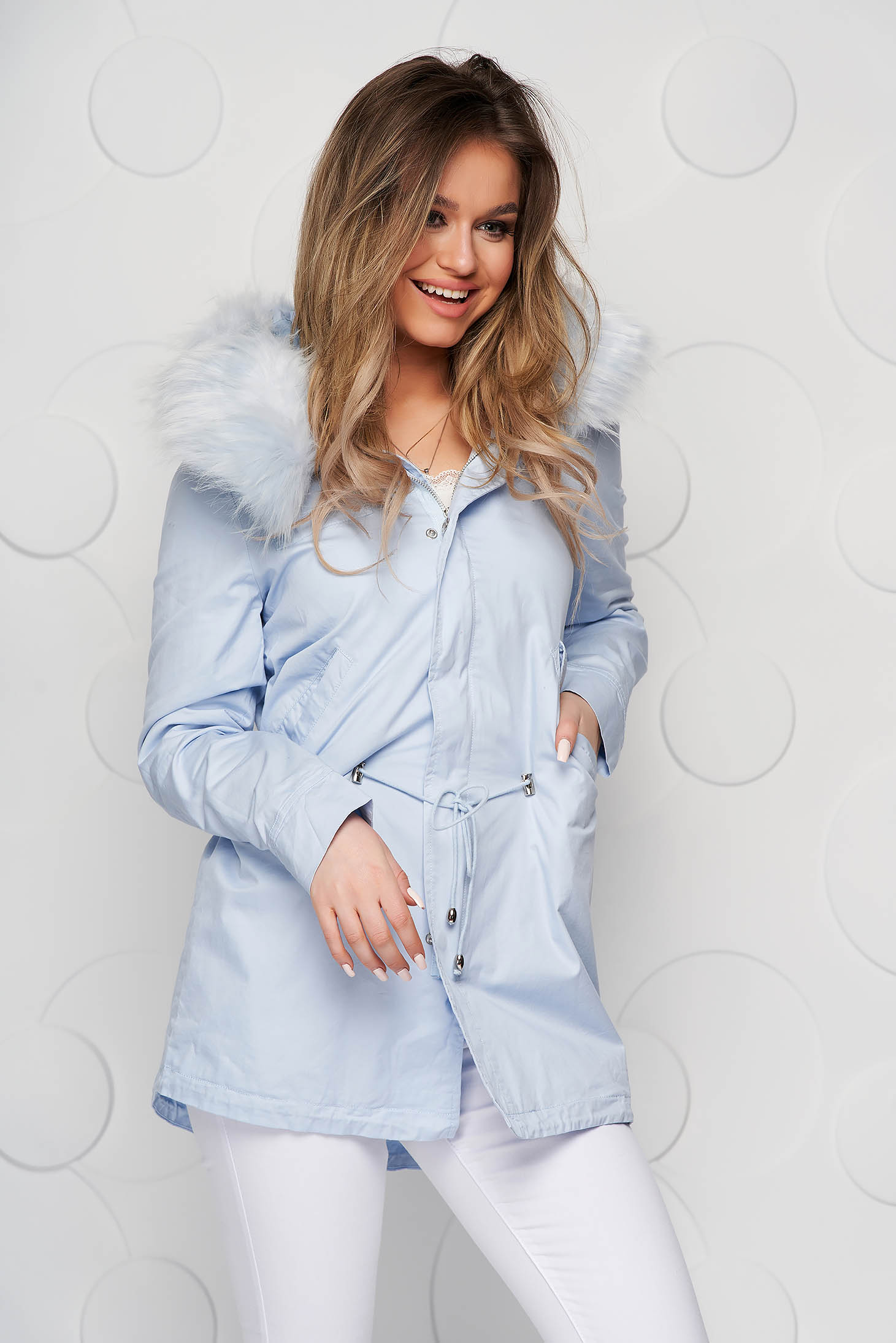 Blue jacket is fastened around the waist with a ribbon cotton with undetachable hood