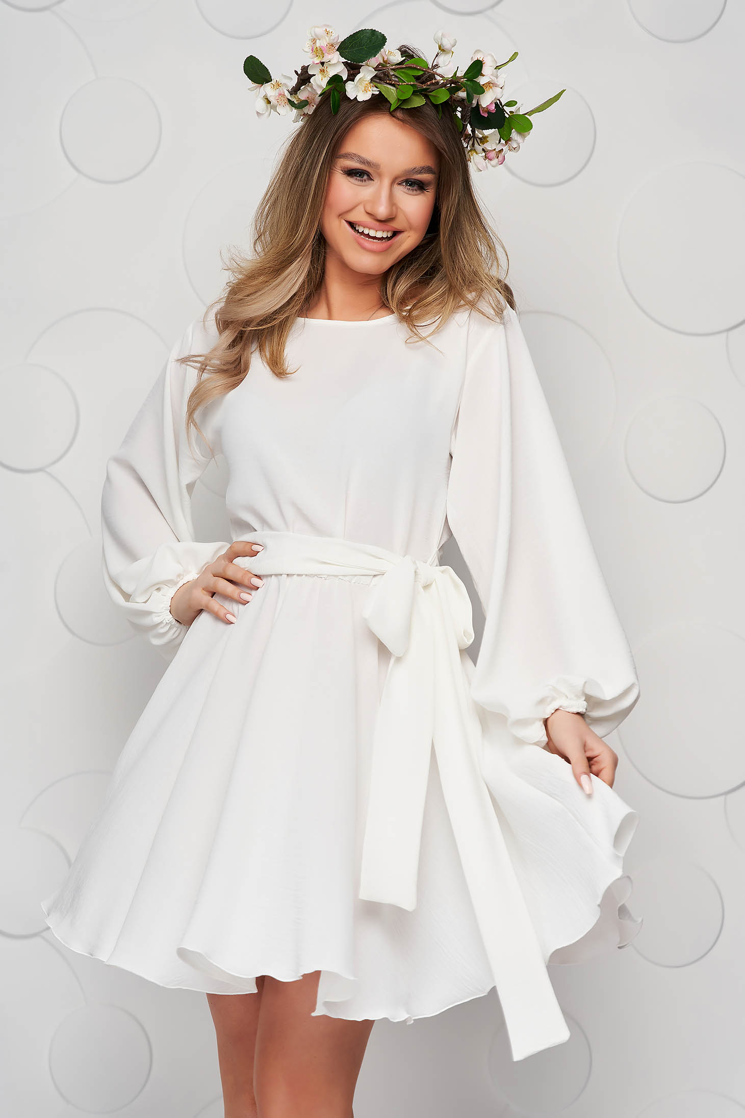StarShinerS dress ivory cloche with elastic waist from elastic fabric with puffed sleeves
