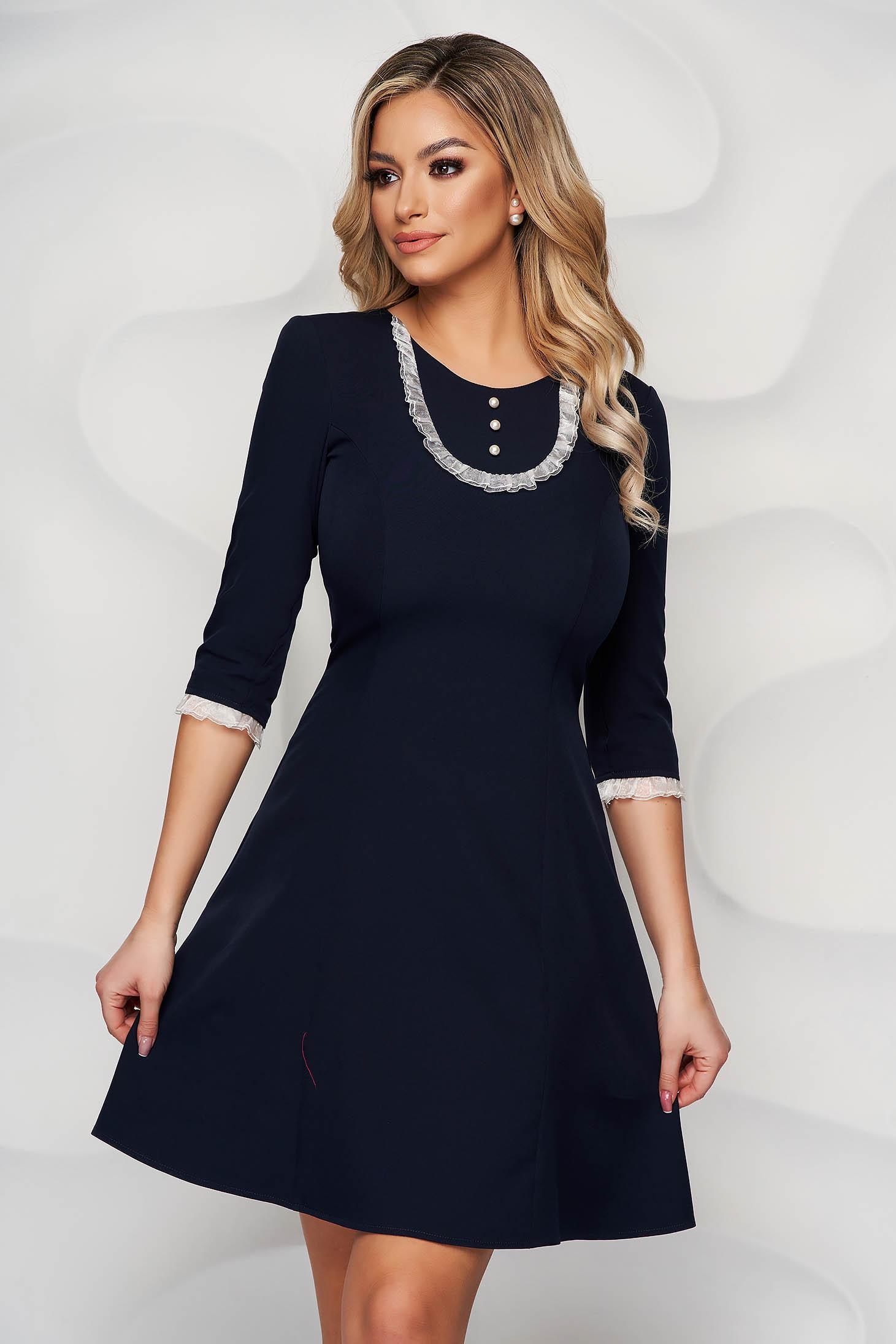 Rochie StarShinerS albastru-inchis eleganta scurta cu aplicatii de dantela din stofa
