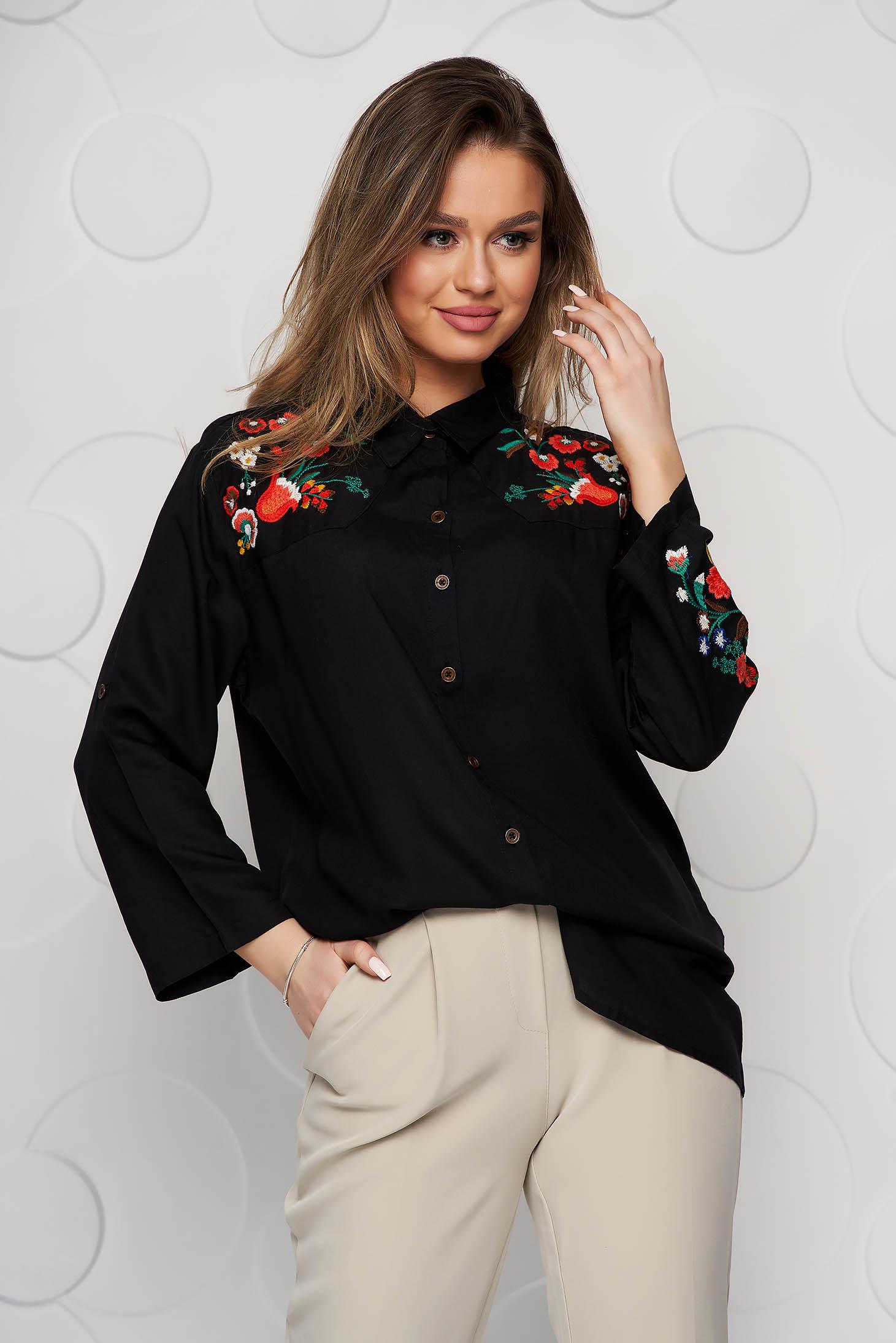 Camasa dama SunShine neagra din bumbac usor elastic cu croi larg si broderie florala