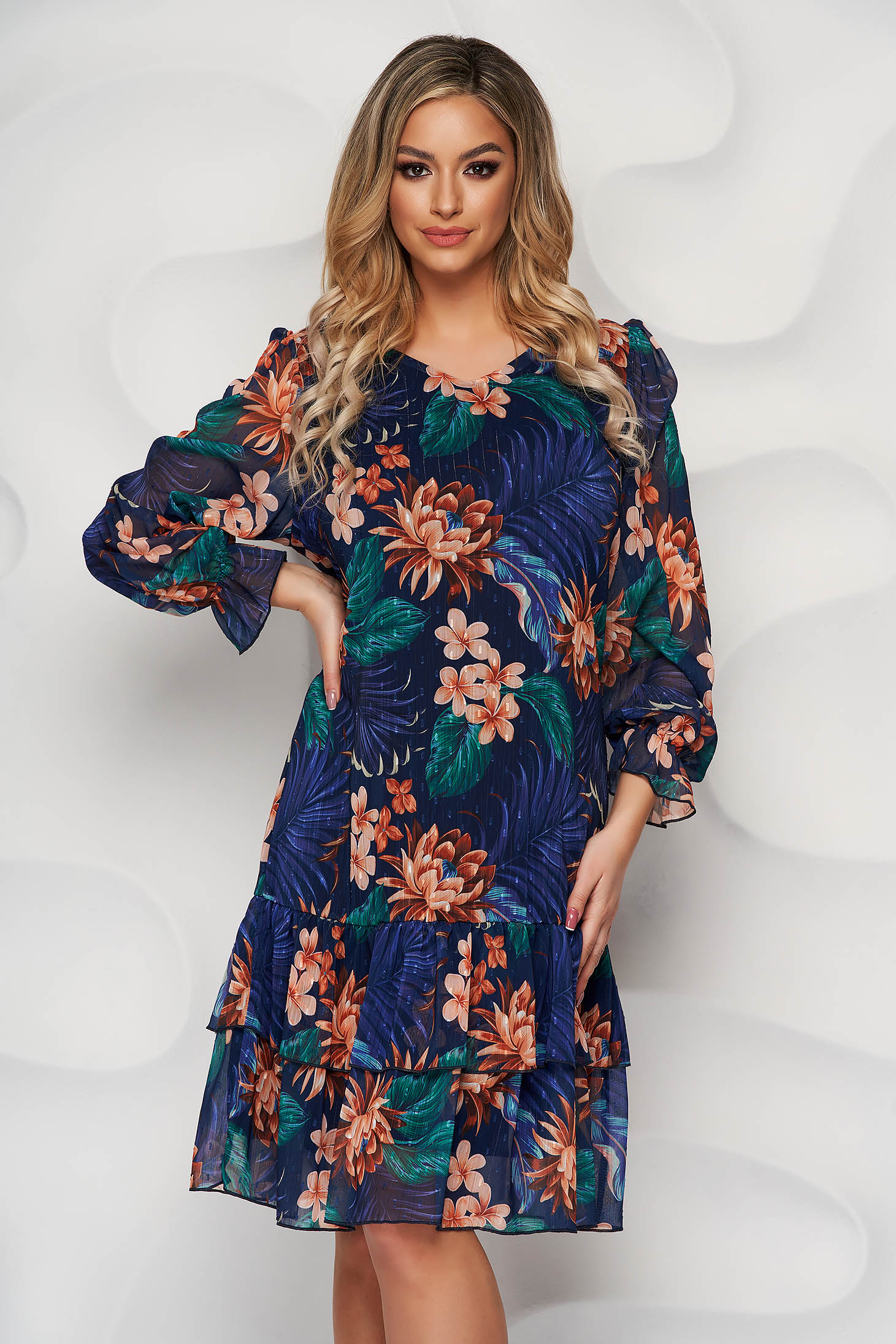 Dress with floral print from veil fabric with ruffle details straight