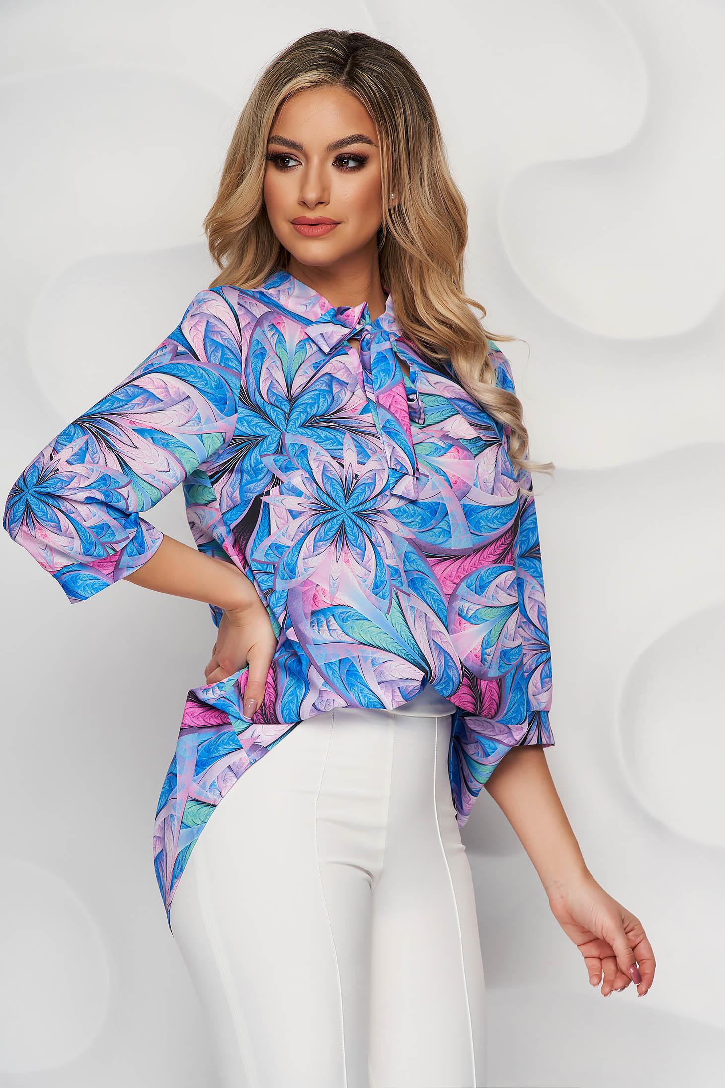 Bluza dama StarShinerS office cu croi larg din material vaporos cu guler tip esarfa si imprimeu floral unic