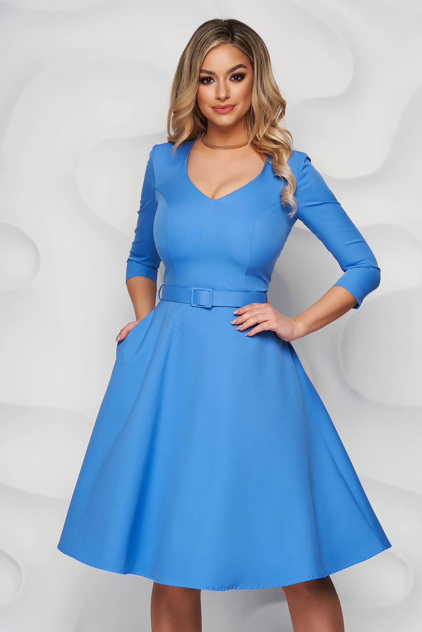 Kék StarShinerS irodai ruha enyhén rugalmas anyagból harang tipusú öv kiegészítővel