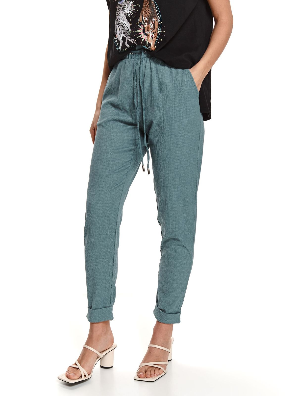 Pantaloni Top Secret gri din material vaporos cu aspect creponat conici cu elastic in talie