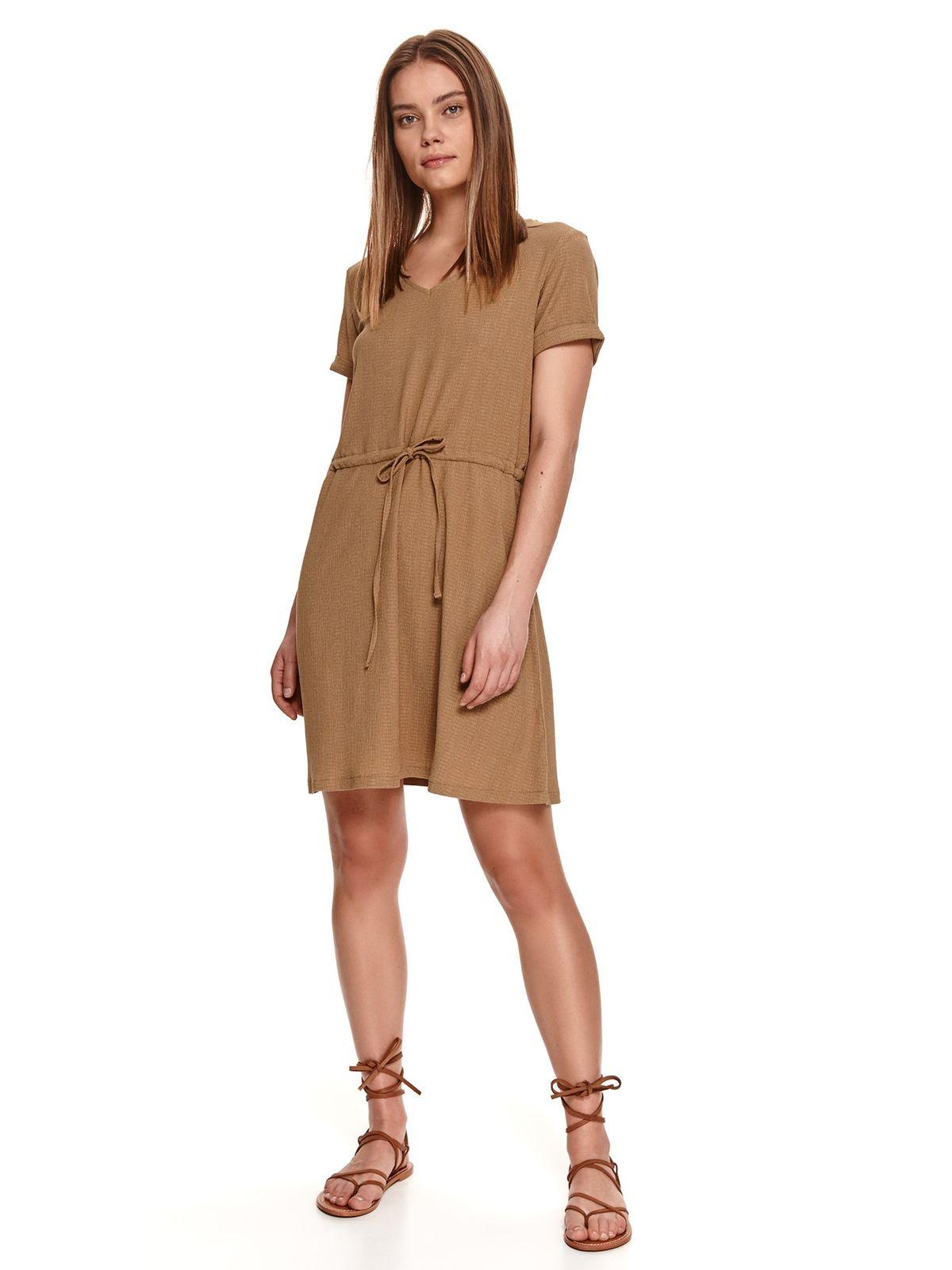 With v-neckline ribbon fastening brown dress
