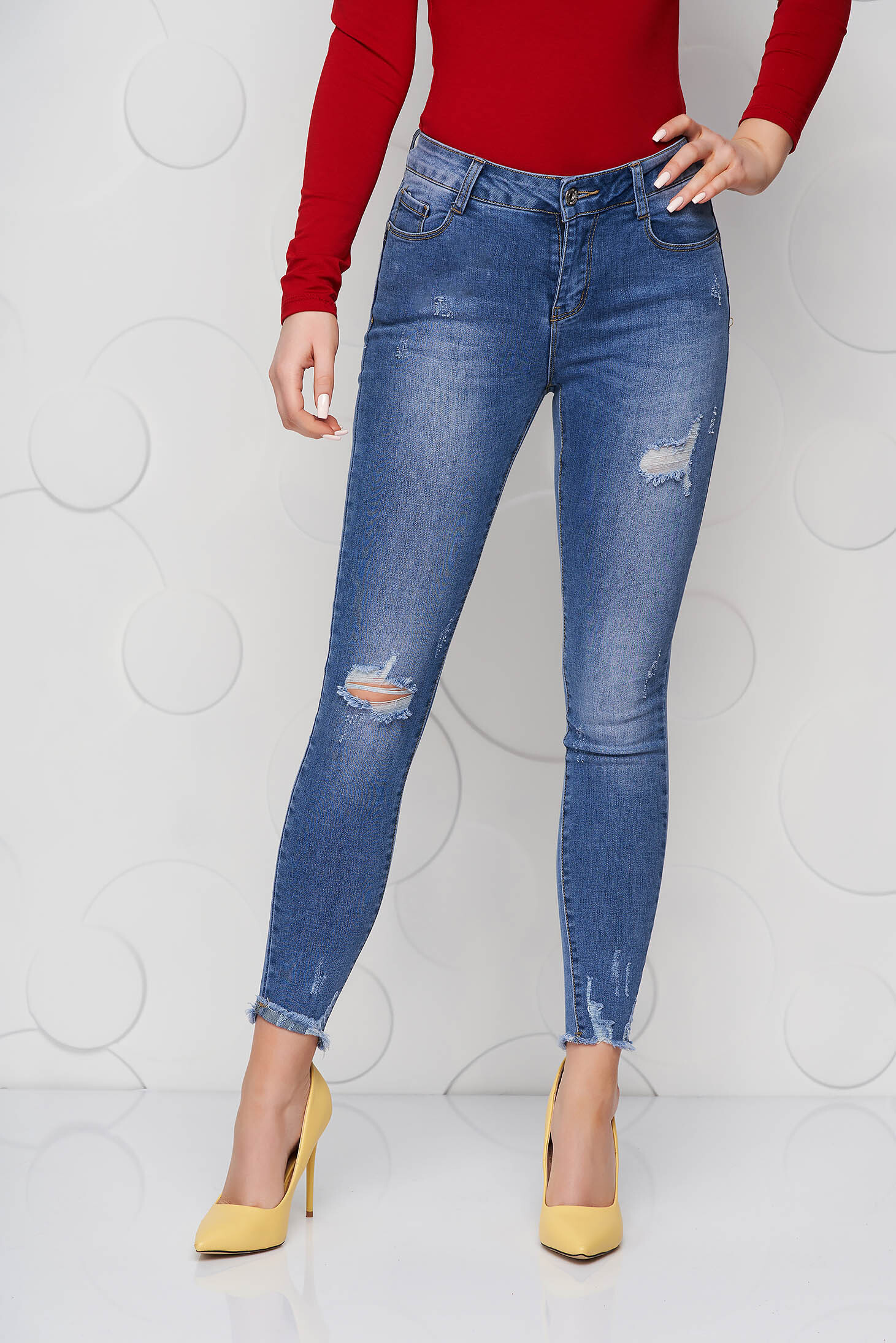Blue jeans skinny jeans small rupture of material high waisted