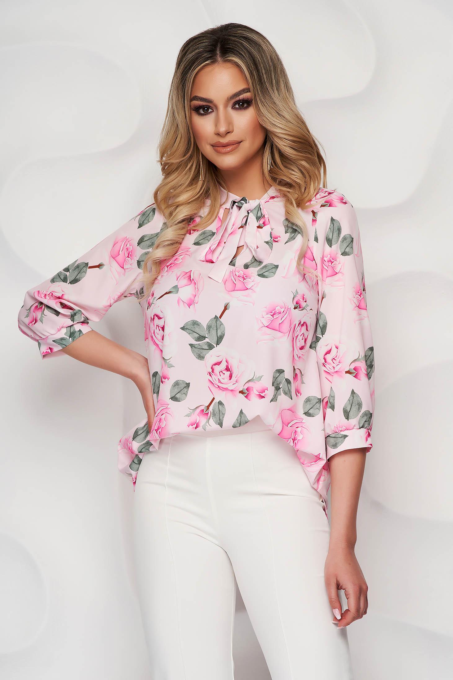 Bluza dama StarShinerS cu imprimeu floral din material vaporos cu croi larg si guler tip esarfa