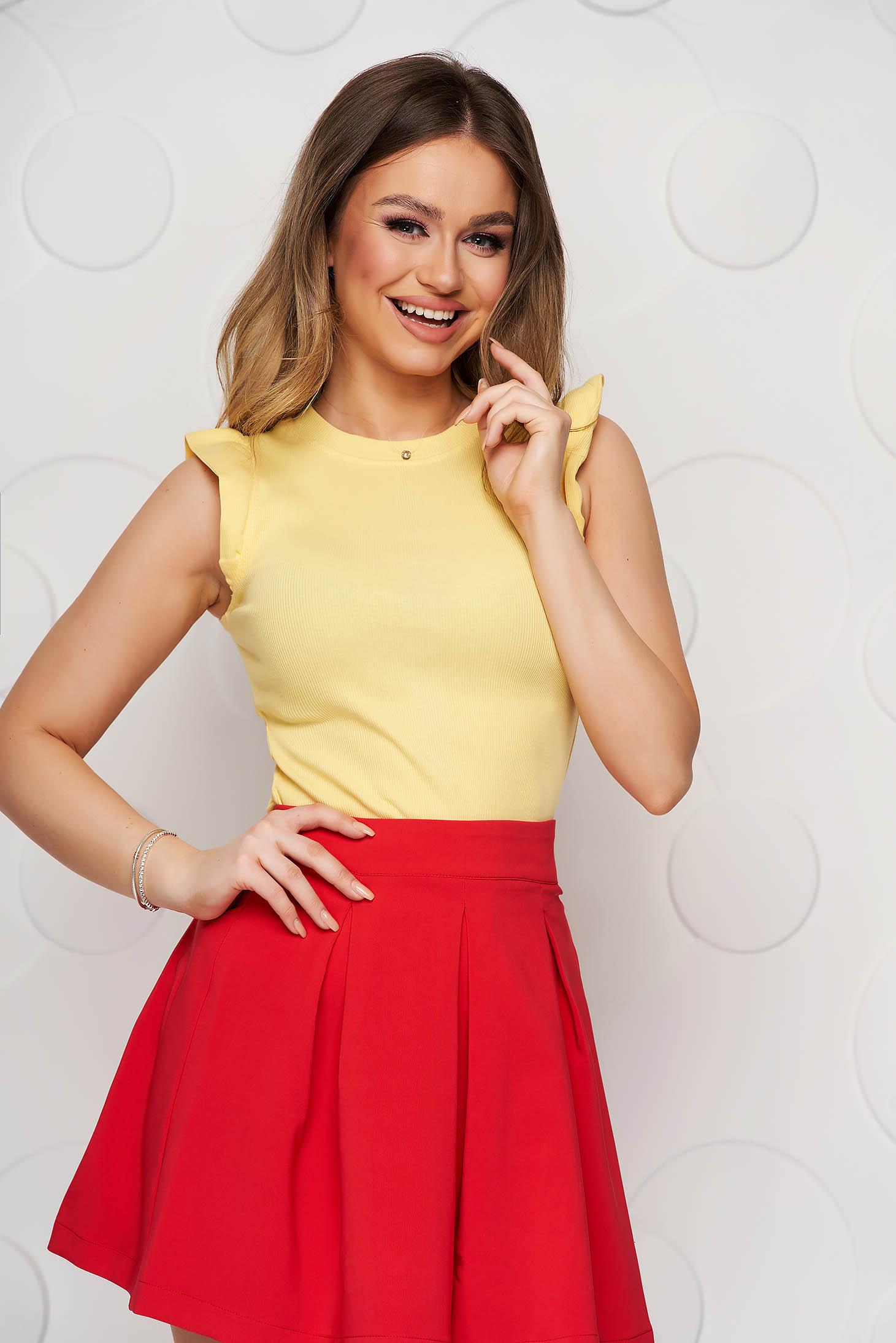 Tricou SunShine galben casual din material elastic si reiat cu umeri cu volum