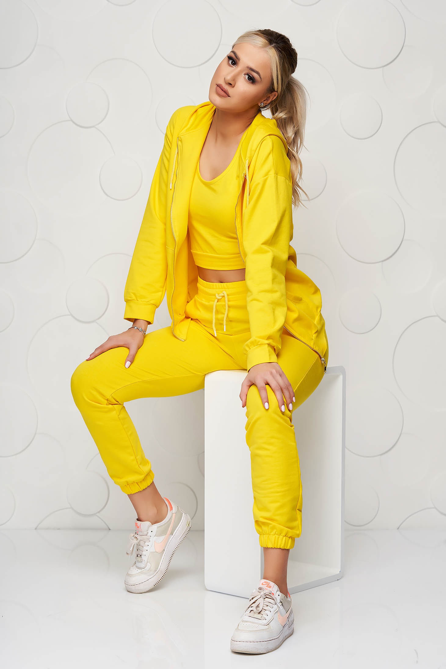 Yellow sport 2 pieces loose fit