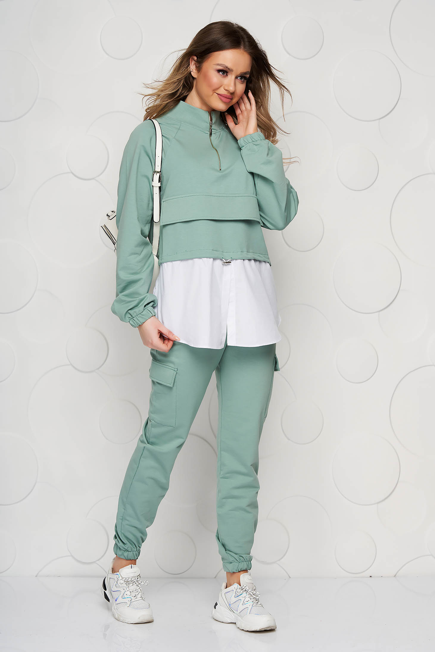 Green sport 2 pieces loose fit with pockets ribbon fastening