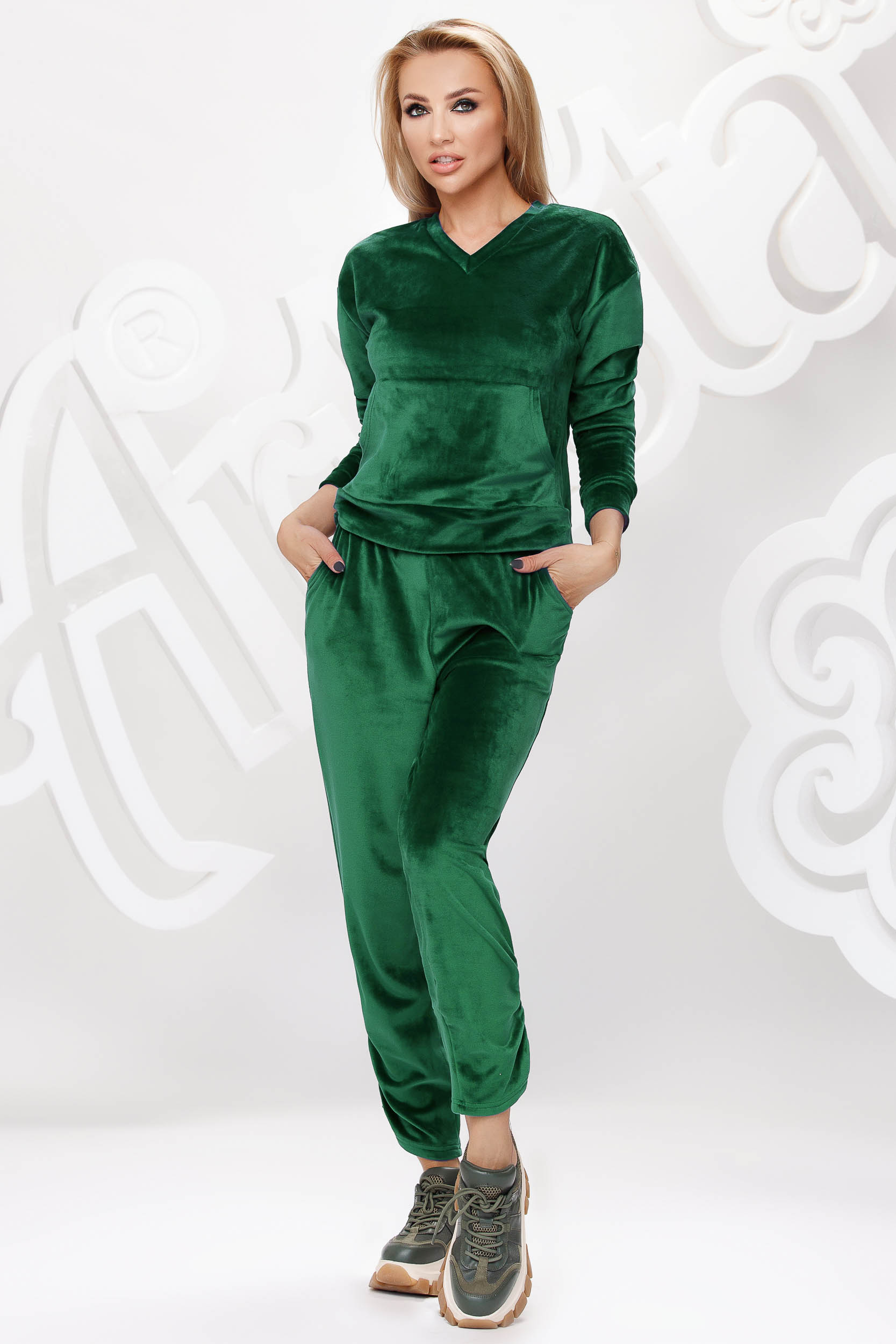 Darkgreen sport 2 pieces velvet loose fit with front pockets